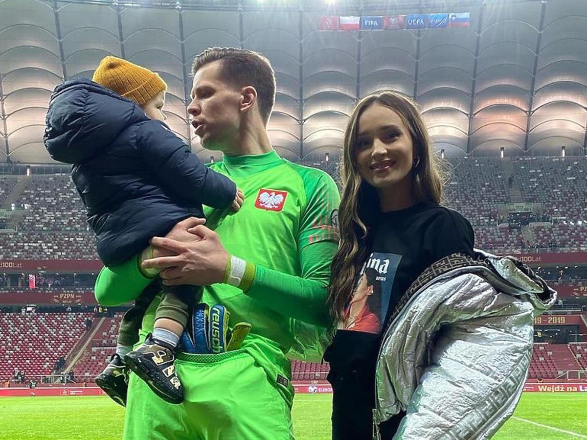 Marina Łuczenko i Wojciech Szczęsny z synkiem