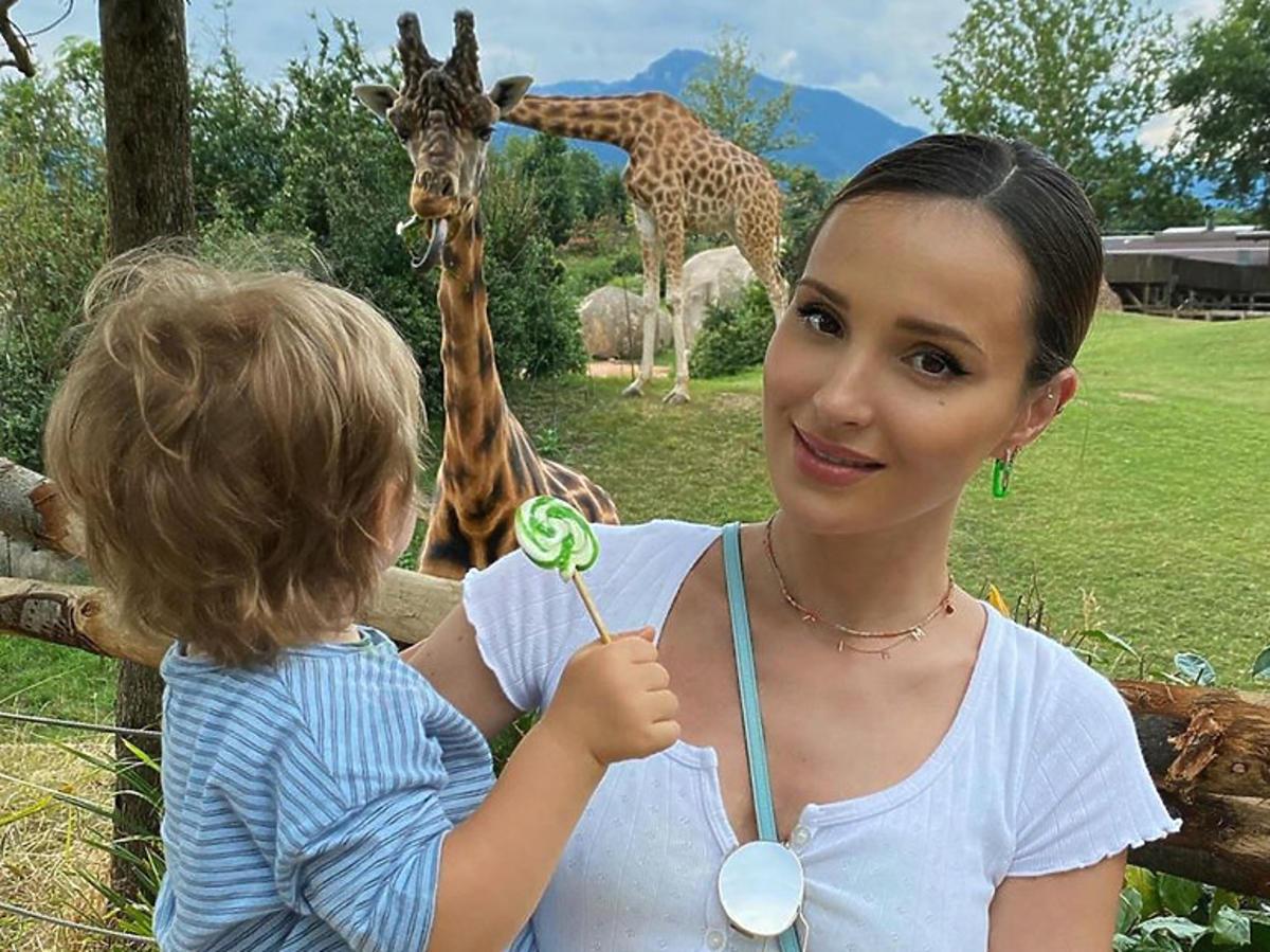 Marina Łuczenko-Szczęsna z synem Liamem