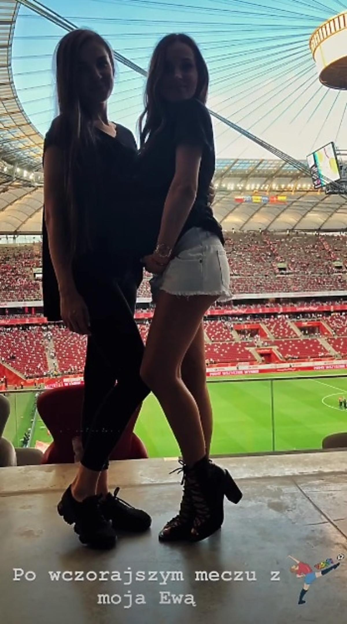 Marina Łukacznko na meczu  Polska-Litwa pokazała brzuszek