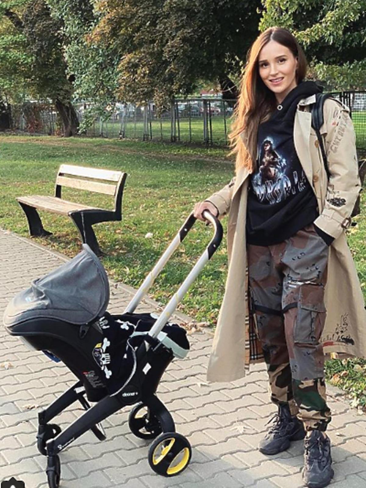 Marina pokazała wózek syna