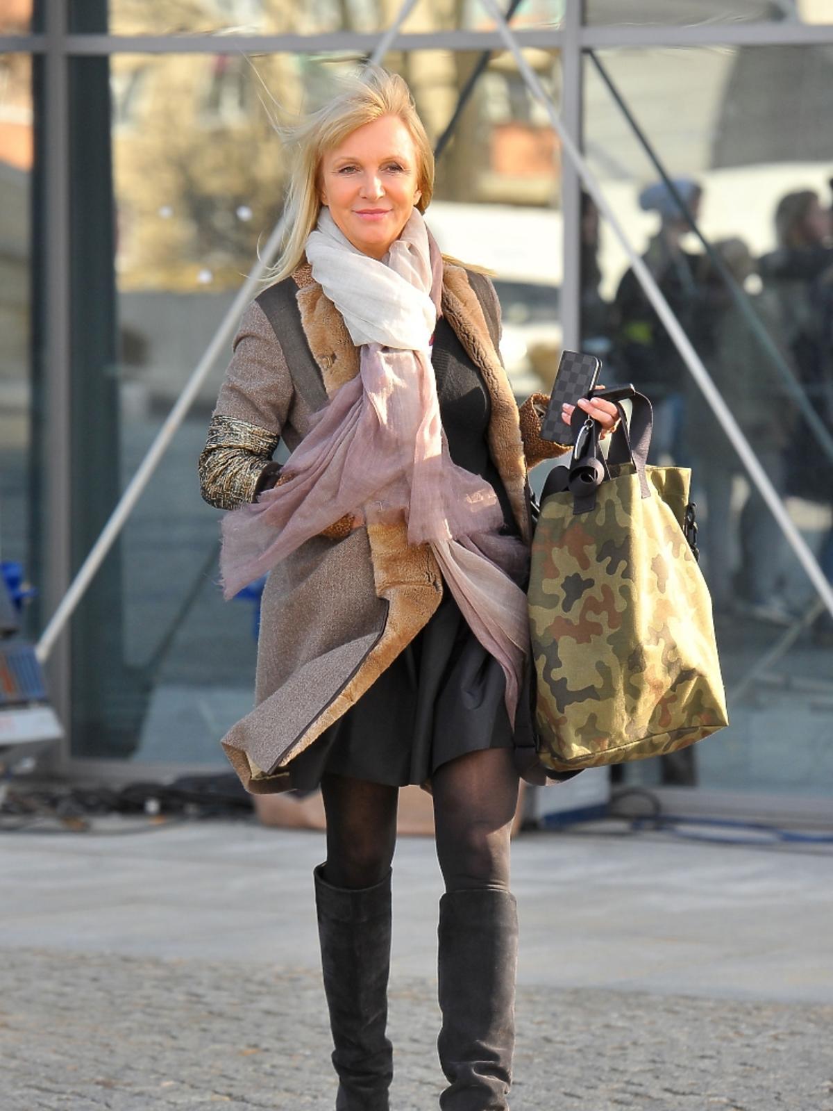 Mariola Bojarska-Ferenc pod studiem TVP