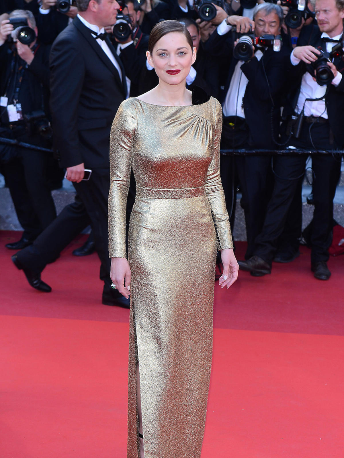 Marion Cotillard w złotej sukience