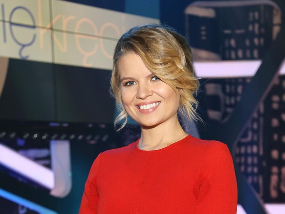 Marta Manowska w czerwonej sukience