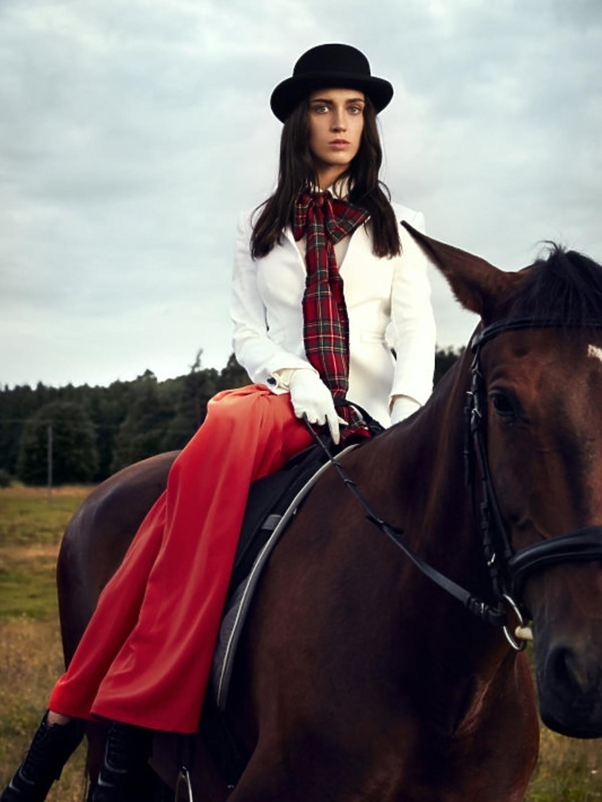 Marta Sędzicka w sesji konnej w Top Model