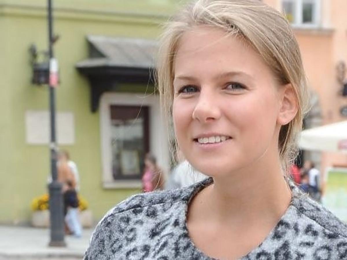 Marta Wierzbicka w grzywce