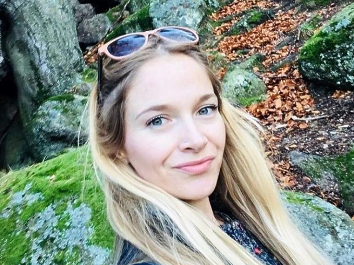 Marta z Rolnik szuka żony w rozpuszczonych włosach