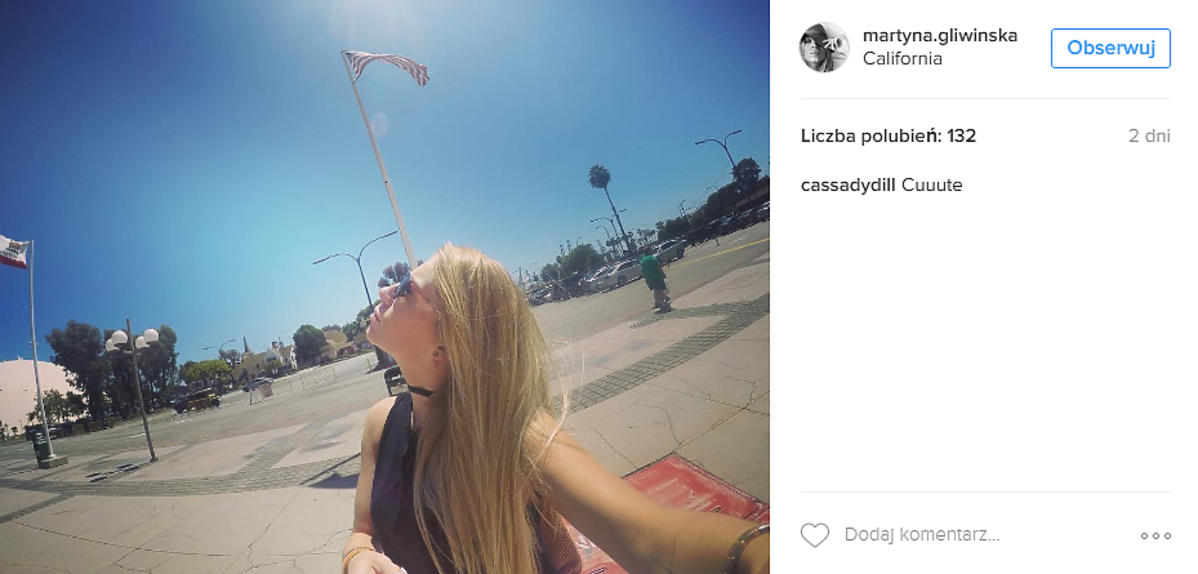 Martyna Gliwińska z selfie stickiem
