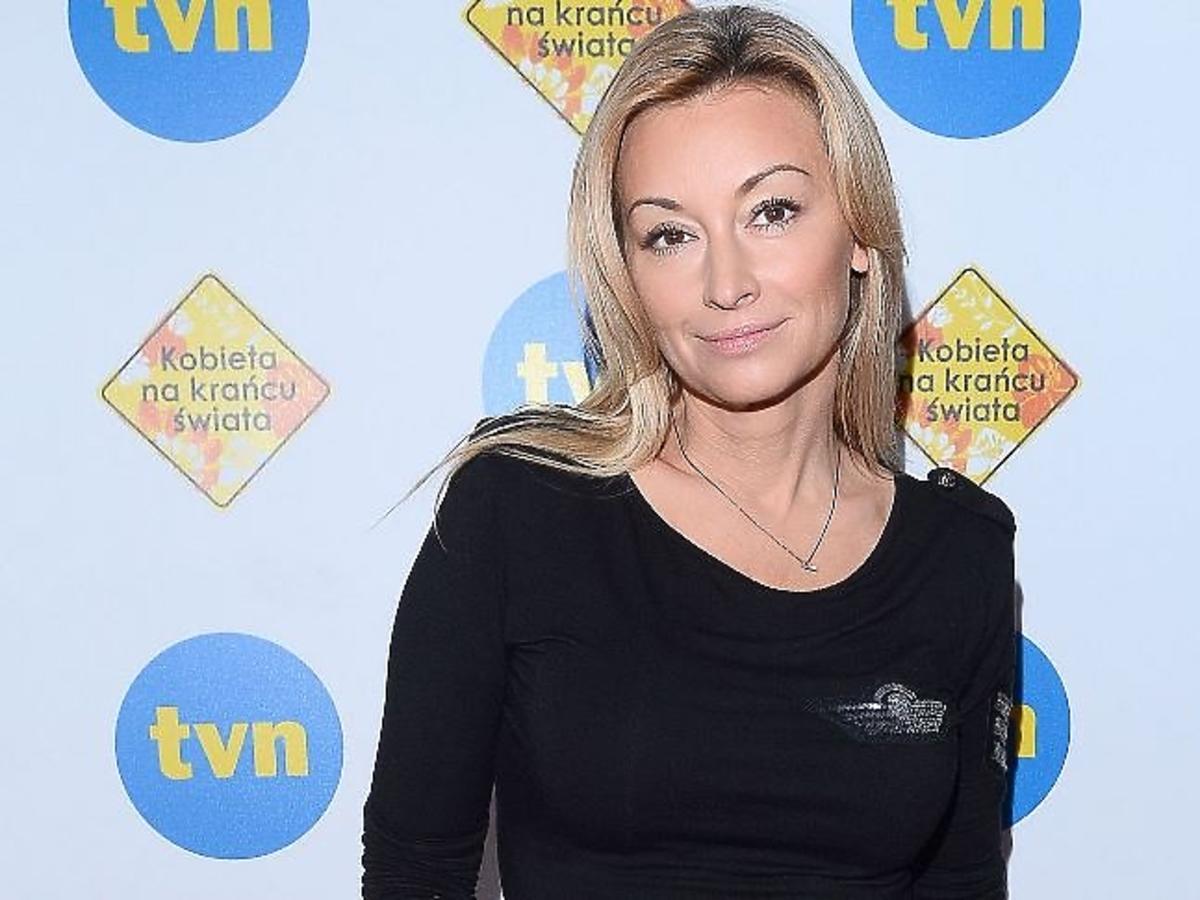 Martyna Wojciechowska w czarnej bluzce
