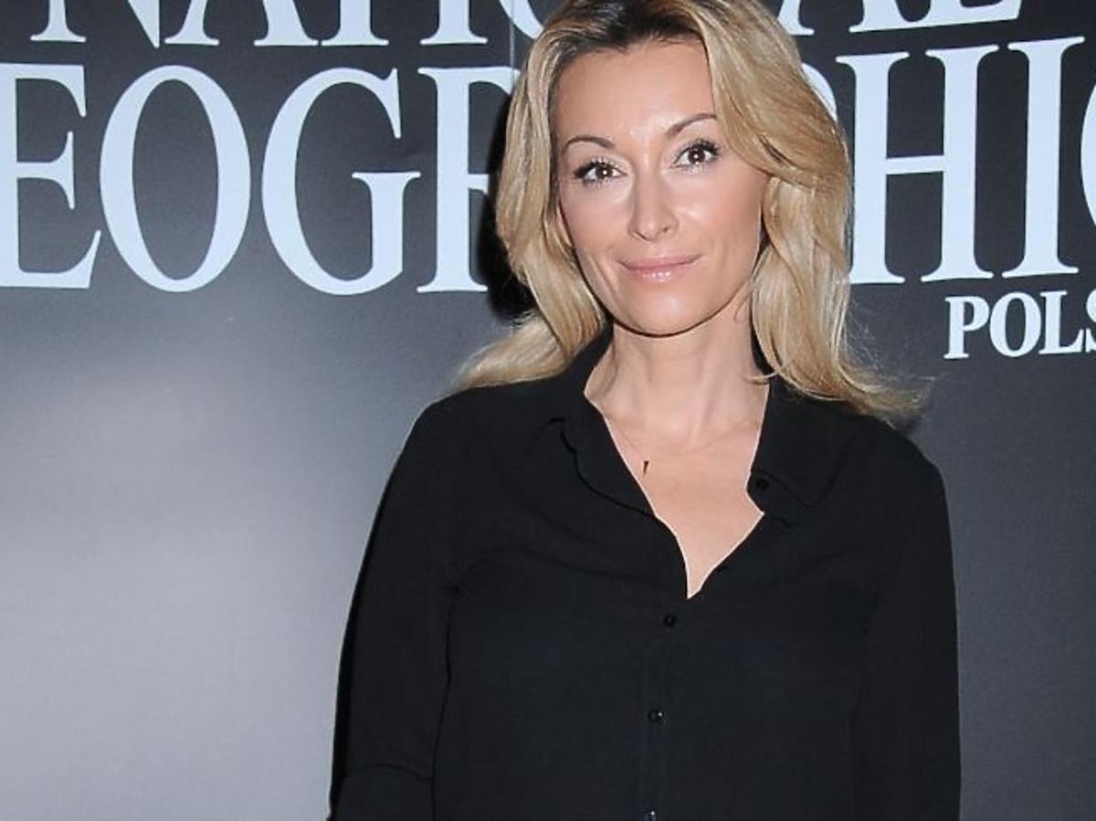 Martyna Wojciechowska w czarnej koszuli