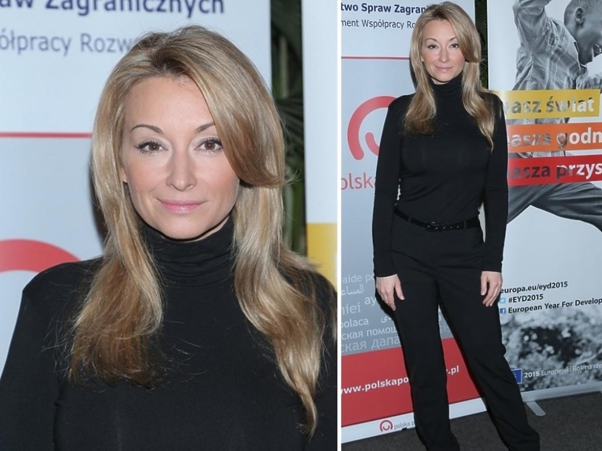 Martyna Wojciechowska w czarnym golfie