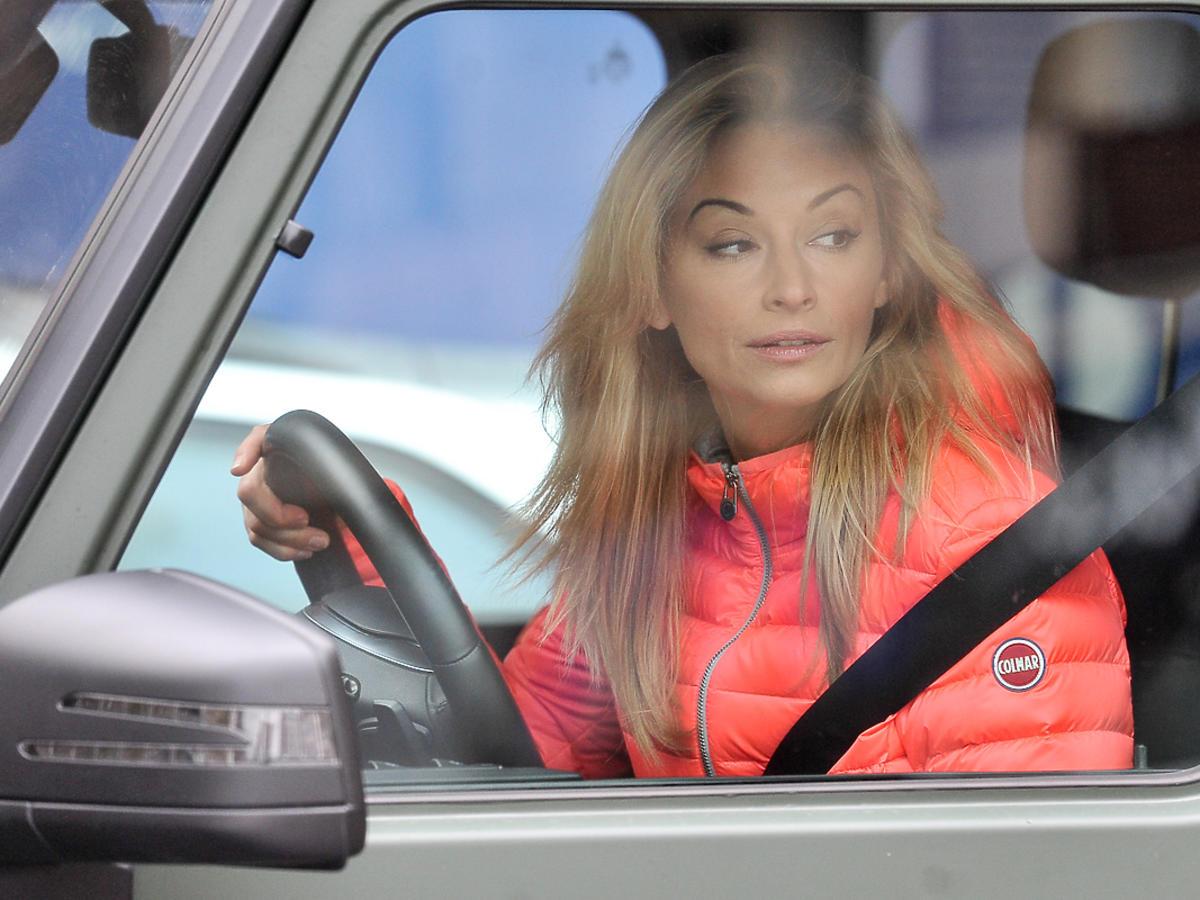 Martyna Wojciechowska z córką w nowym samochodzie Mercedesie G