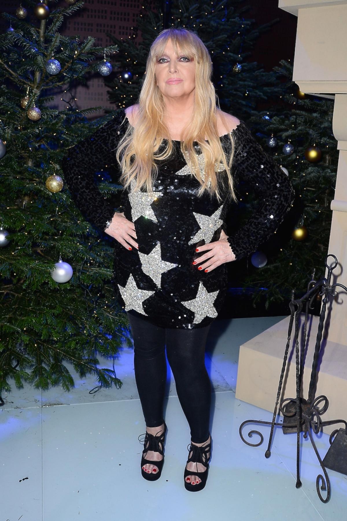 Maryla Rodowicz w czarnej sukience w gwiazdy