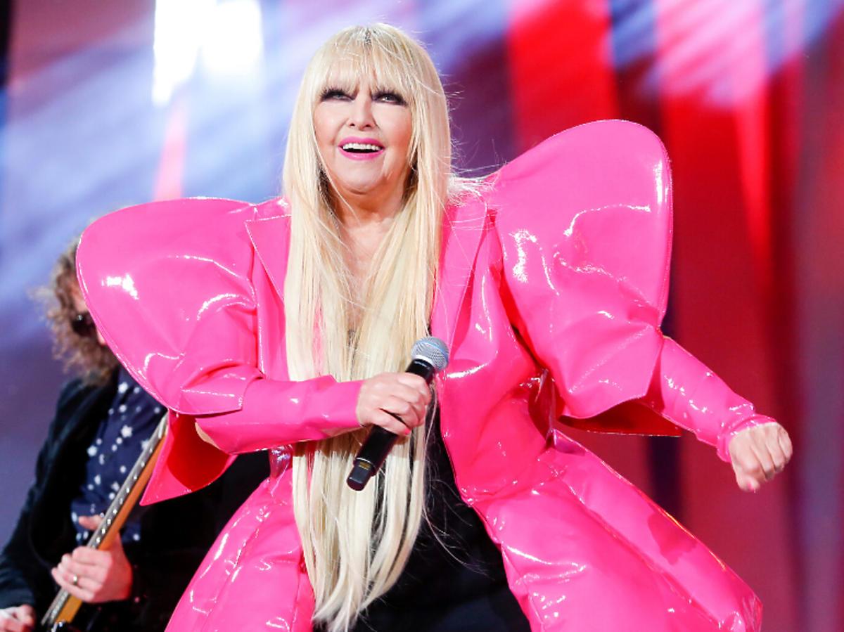 Maryla Rodowicz w różowej stylizacji