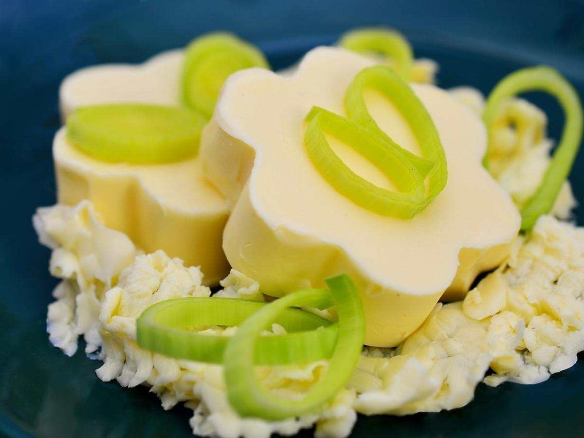 masło o finezyjnym kształcie