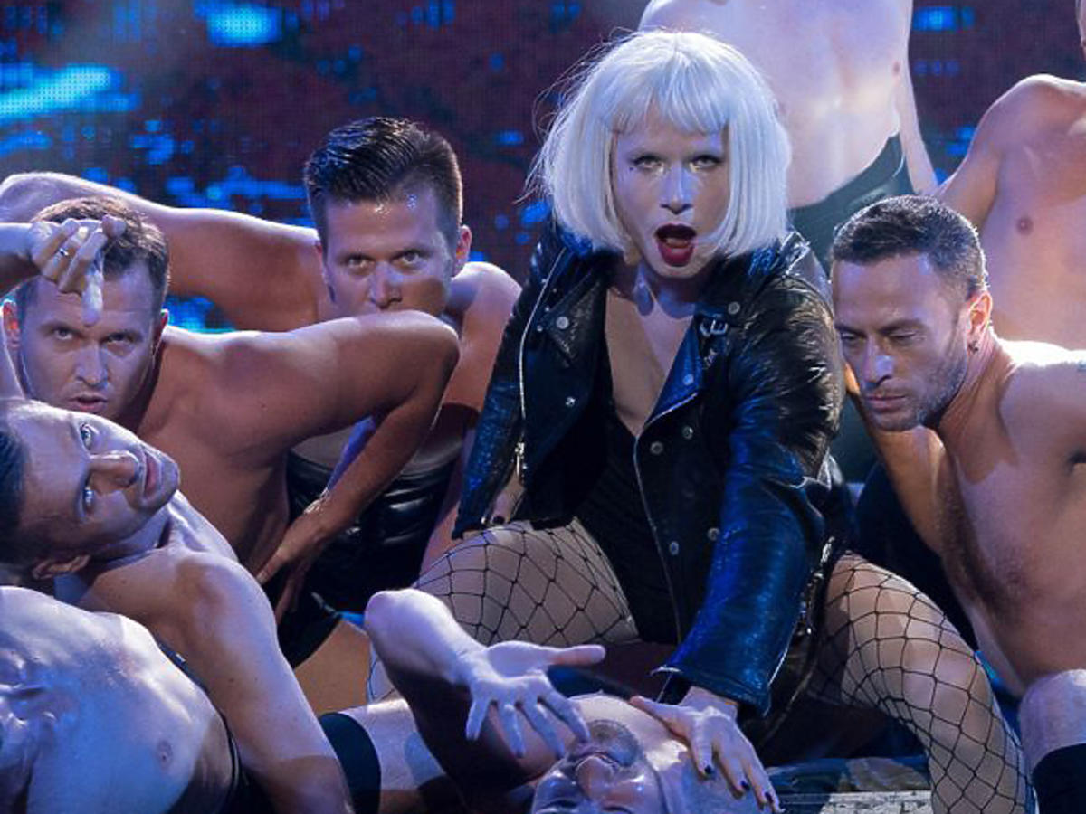 Mateusz Banasiuk jako Lady Gaga w Twoja Twarz Brzmi Znajomo