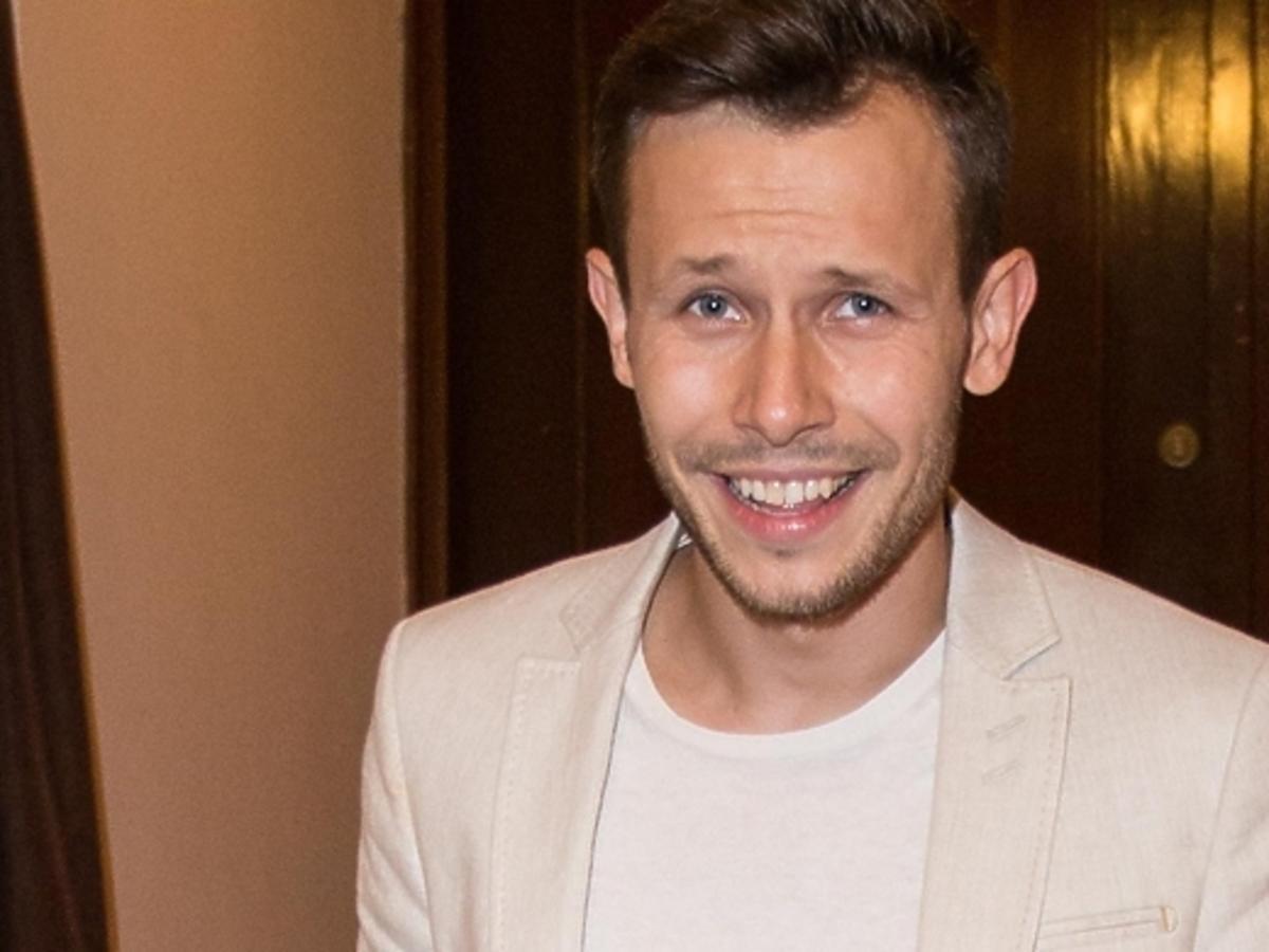 Mateusz Banasiuk w gejowskim magazynie