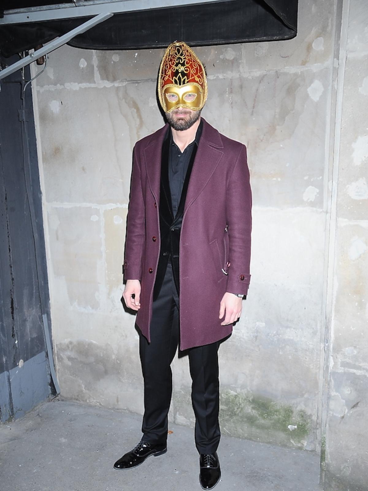 Mateusz Hładki w masce