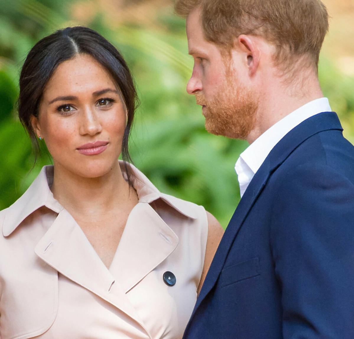 Meghan i Harry - wrócą do rodziny królewskiej