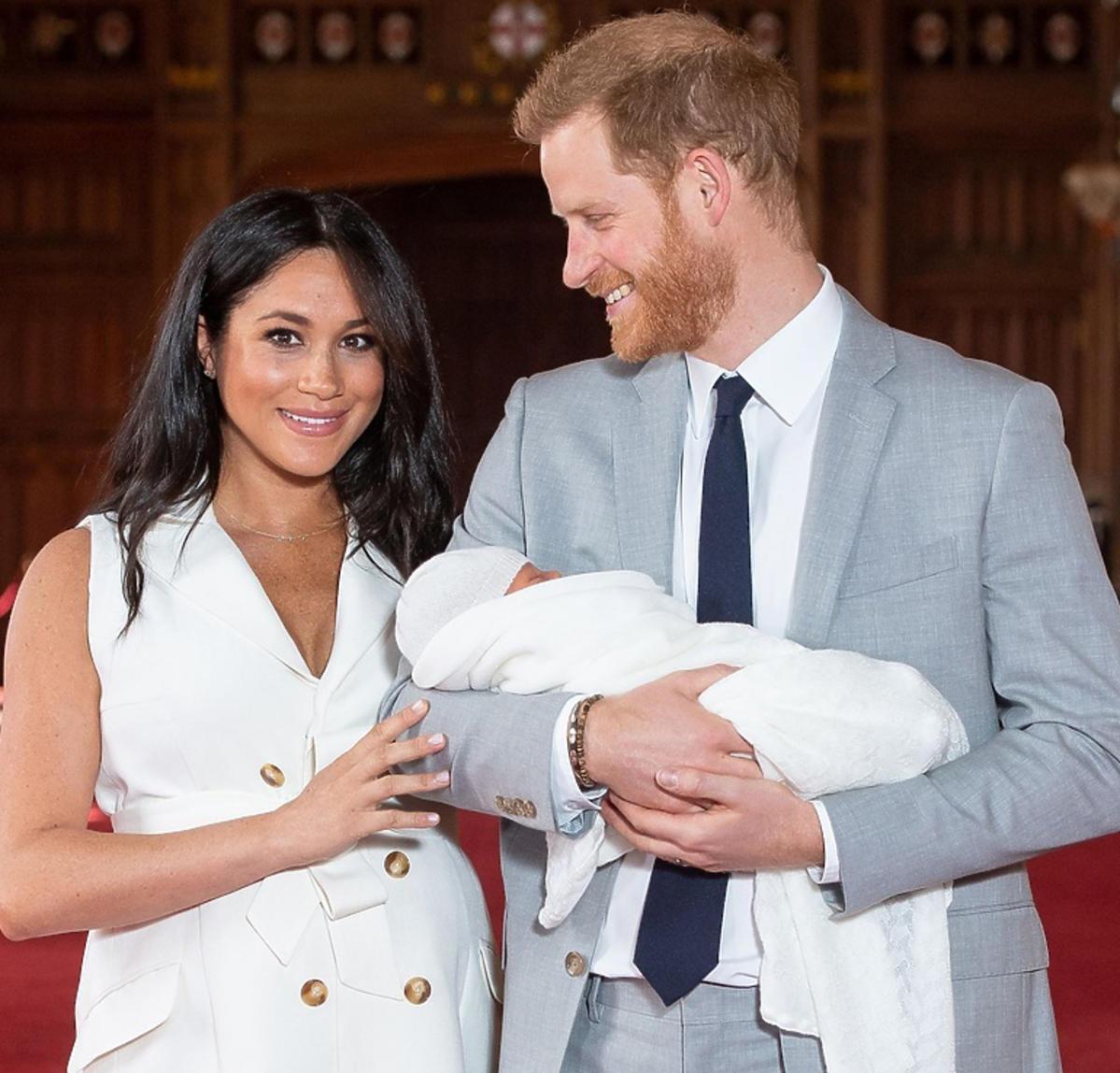 Meghan Markle i książę Harry pokazali syna w pałacu