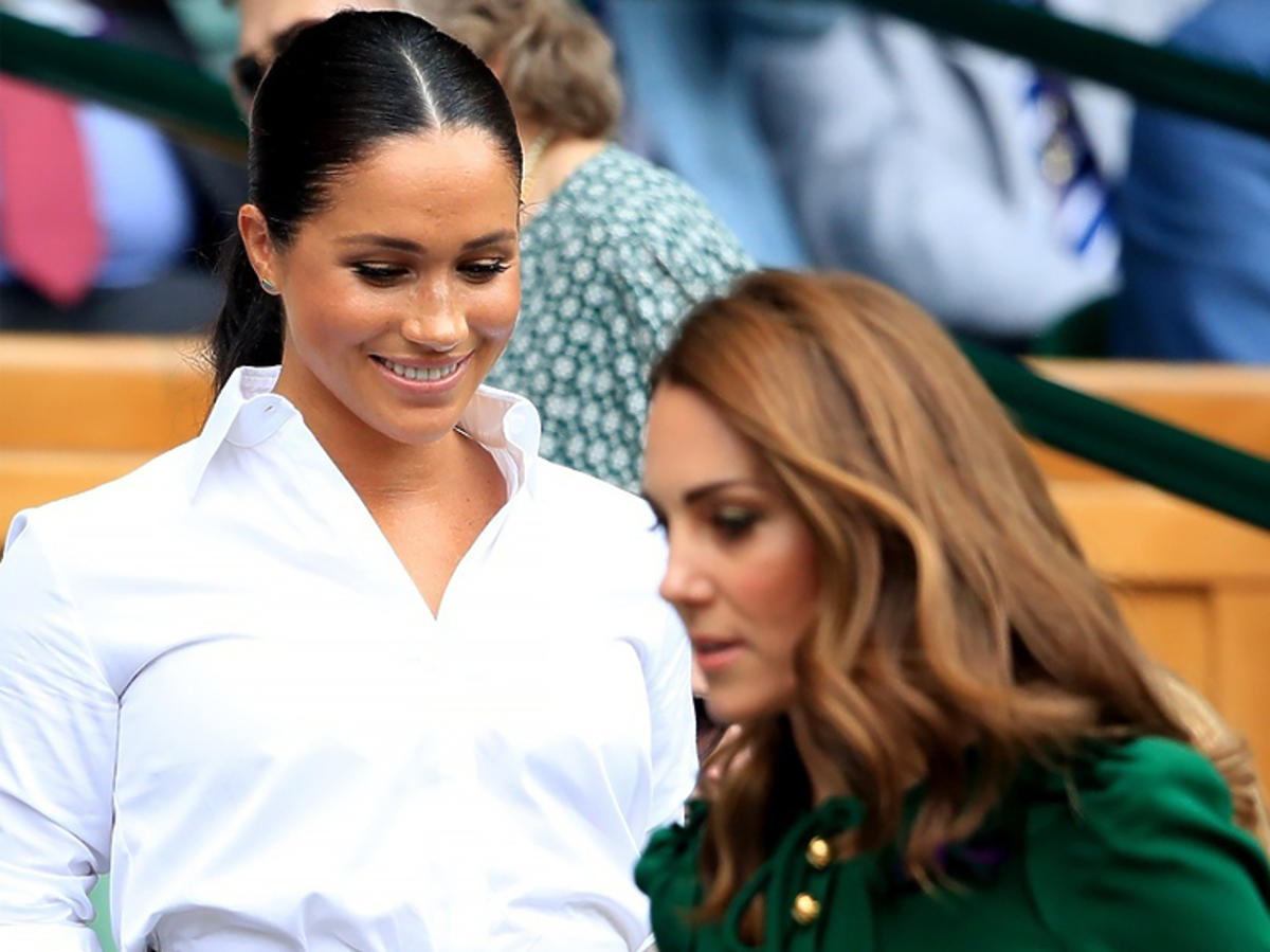 Meghan Markle i księżna Kate na trybunach podczas finału Wimbledonu