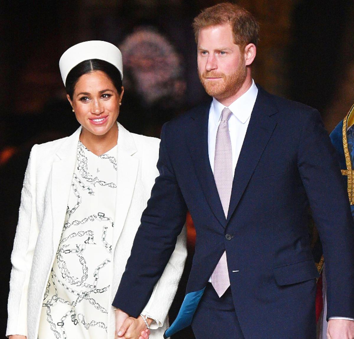 Meghan Markle w białej stylizacji z księciem Harrym