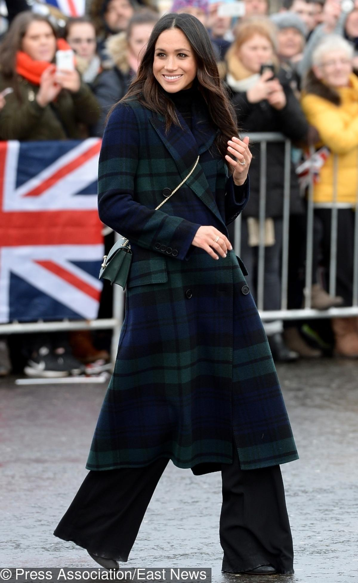 Meghan Markle w płaszczu Burberry
