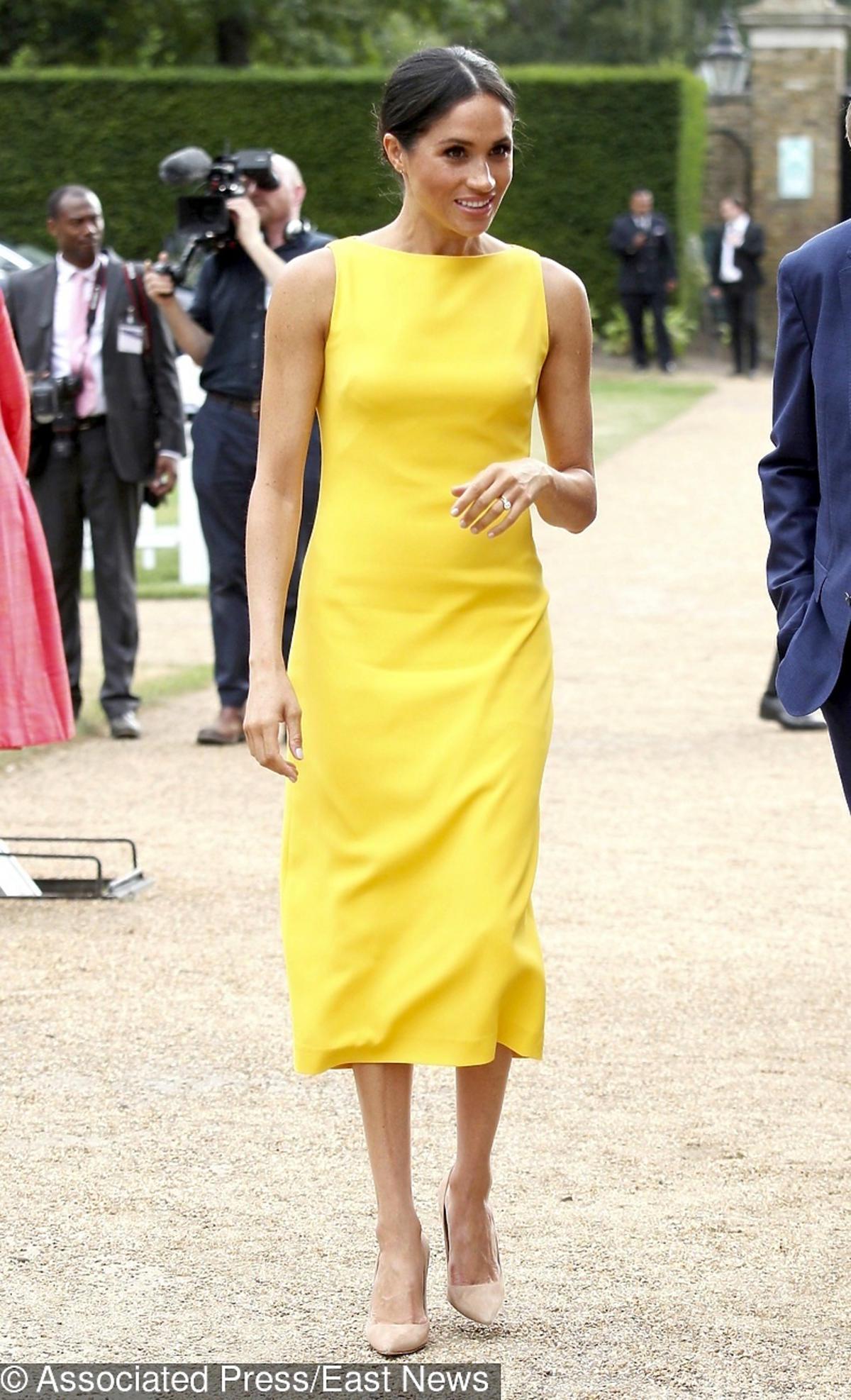 Meghan Markle w zółtej sukience