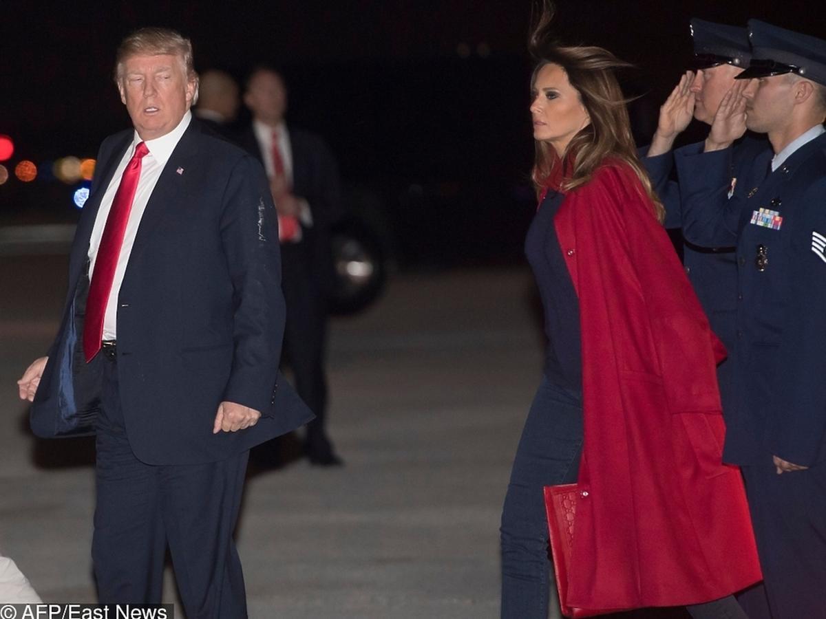 Melania Trump, Donald Trump wychodzą z samolotu