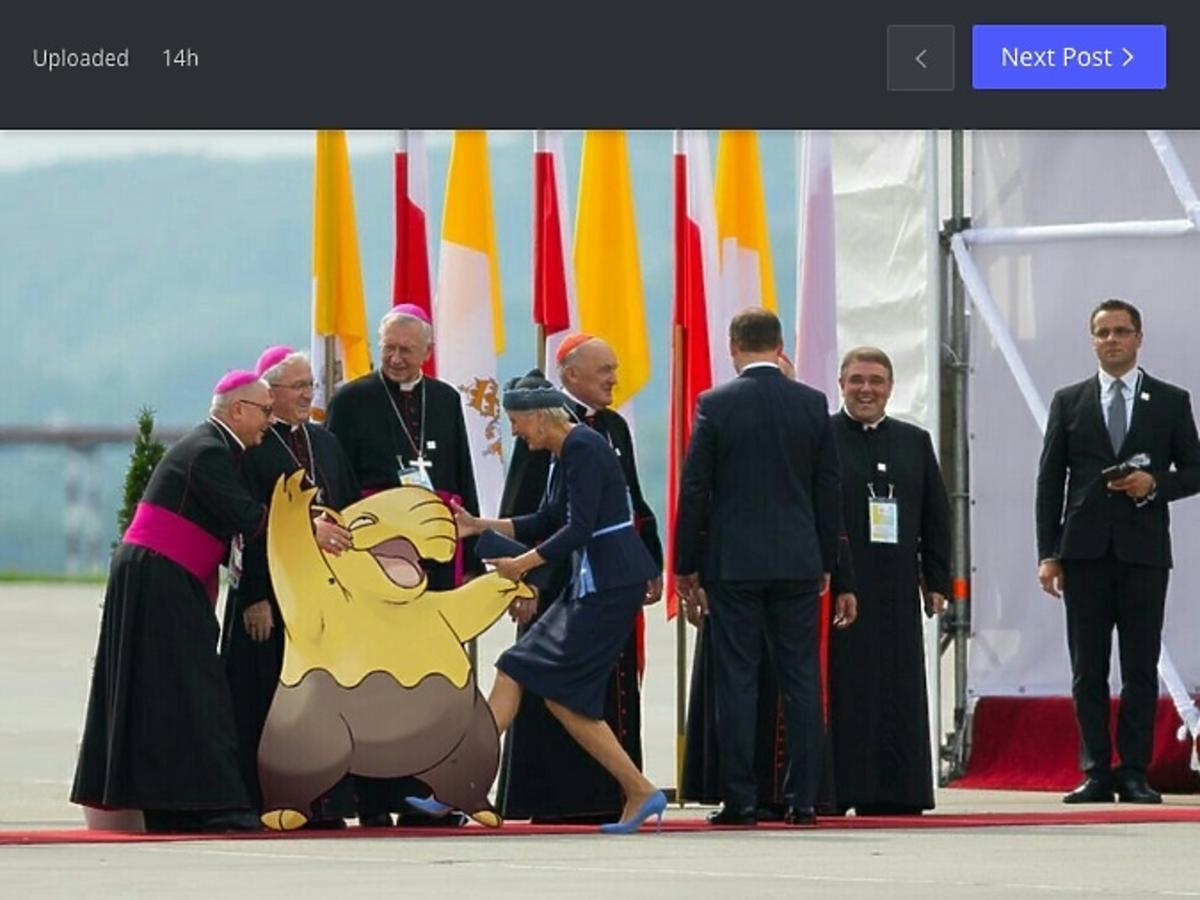 Memy z Agatą Dudą z dnia powitania papieża w Polsce