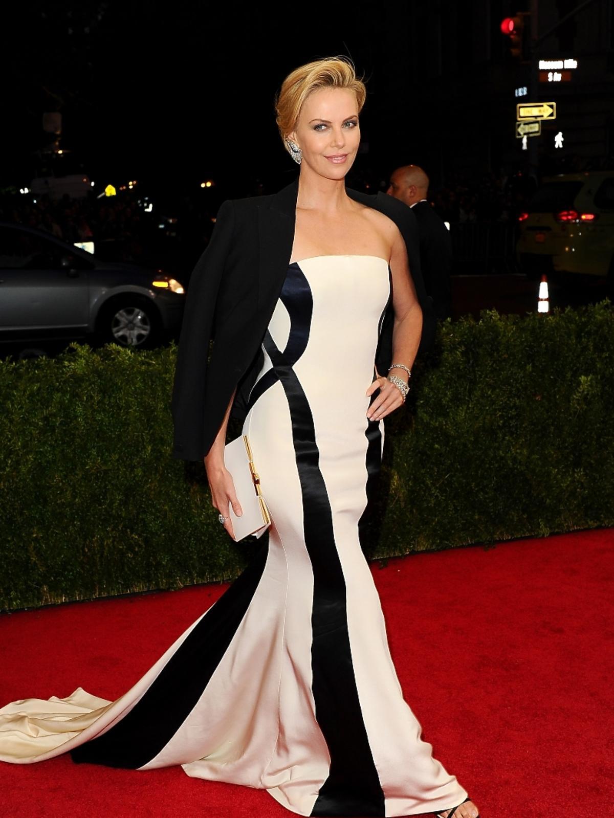 MET Gala 2014: Charlize Theron w kreacji Diora