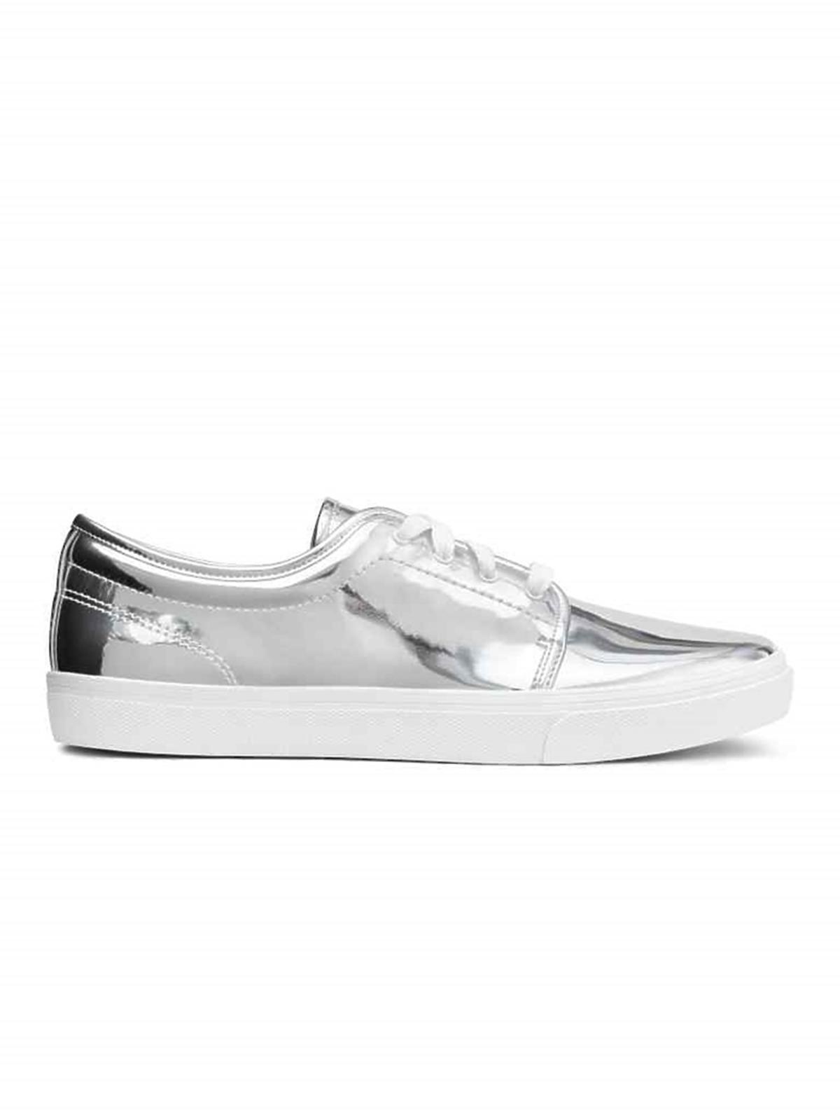 Metaliczne buty, H&M, przecenione z 99,90 zł na 49,90 zł