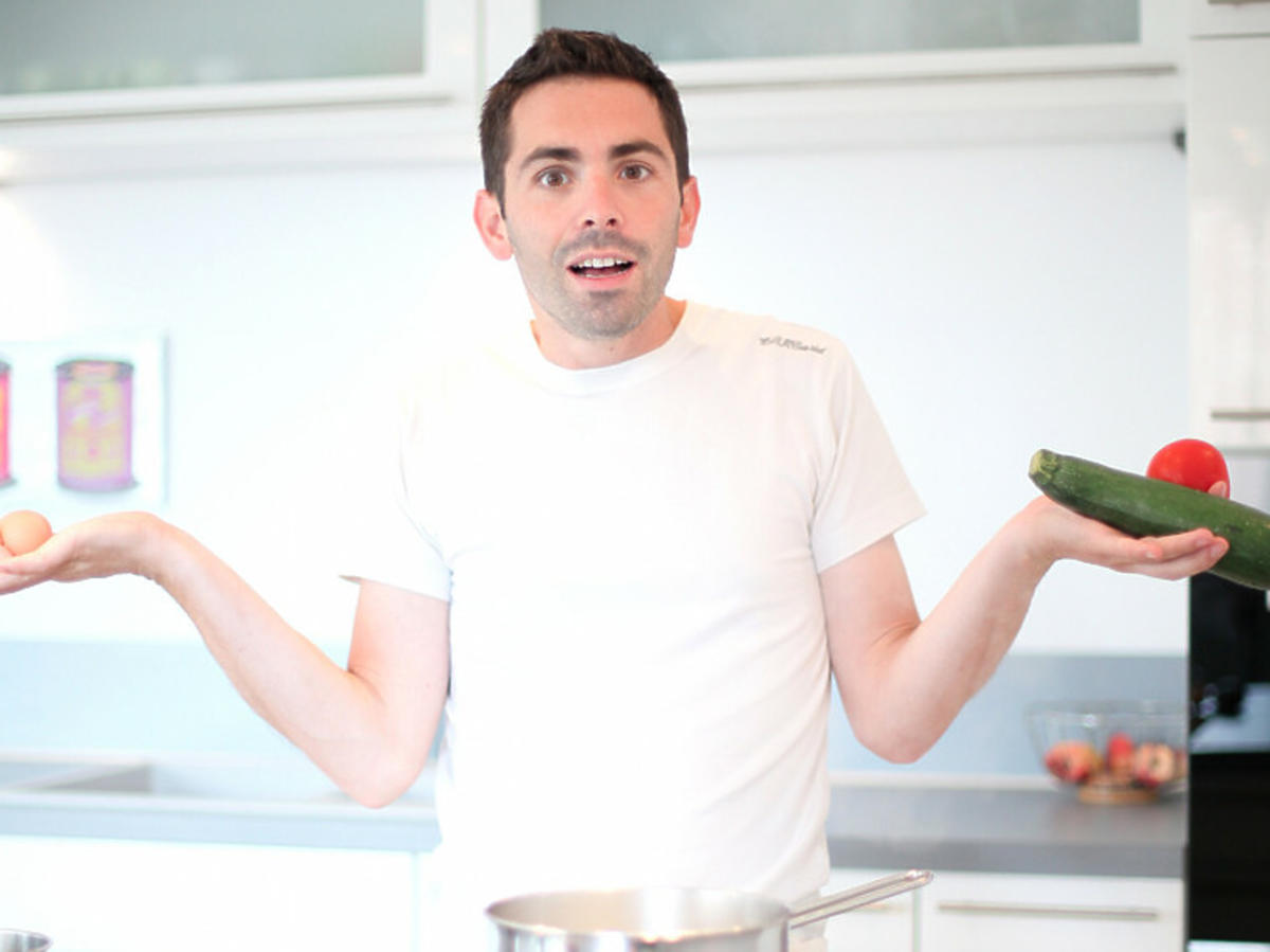 Mężczyzna w kuchni