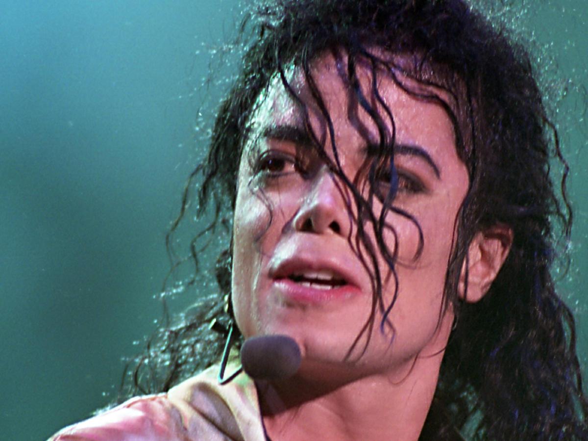 Michael Jackson portret, na scenie