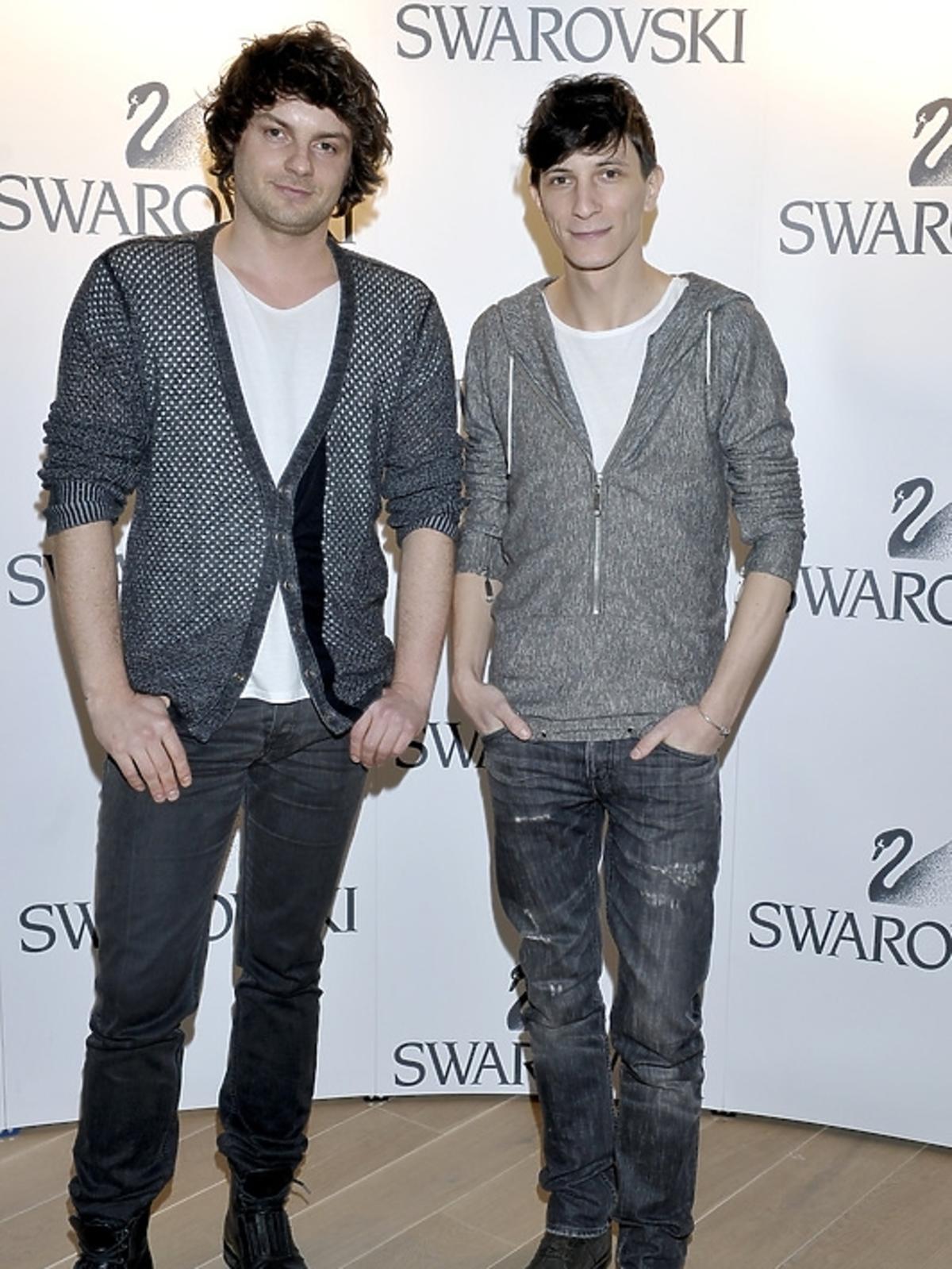 Michał Gilbert Lach i Kamil Owczarek (duet Bohoboco) na pokazie kolekcji Swarovski - lato 2013