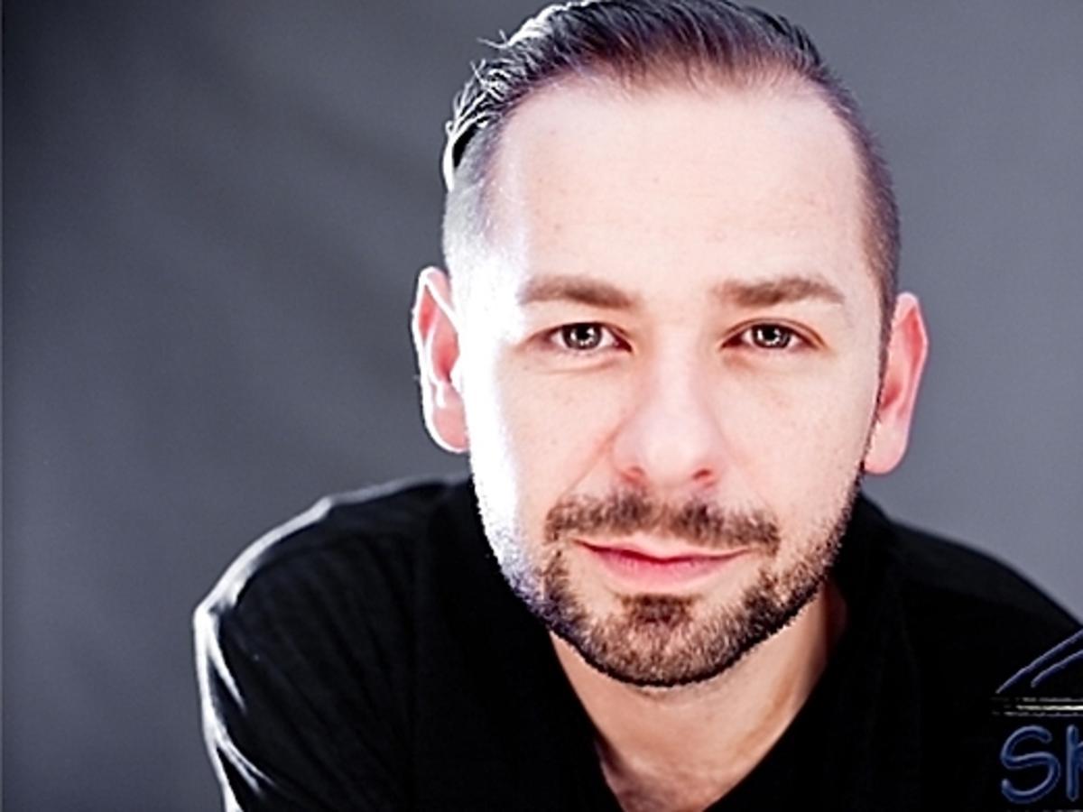 Michał Opaliński jest gejem. Michał Opaliński w Replice