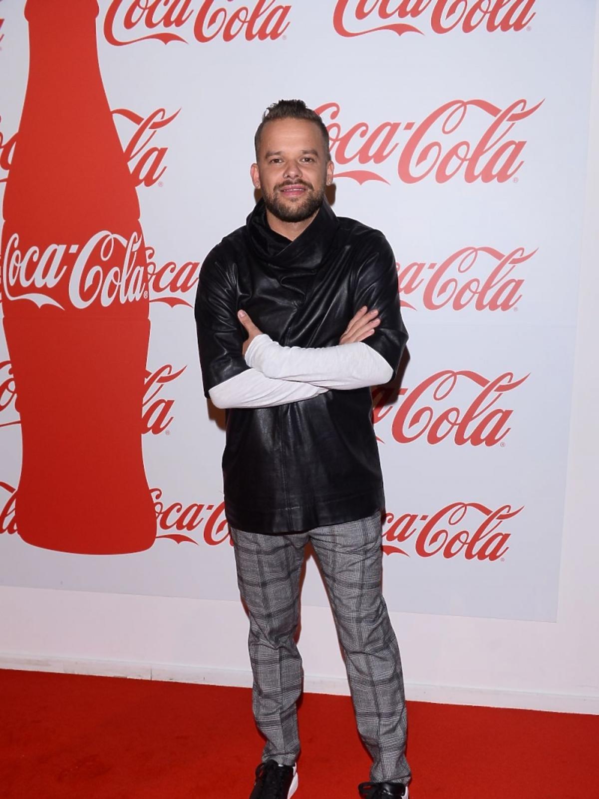 Michał Piróg w dżinsach