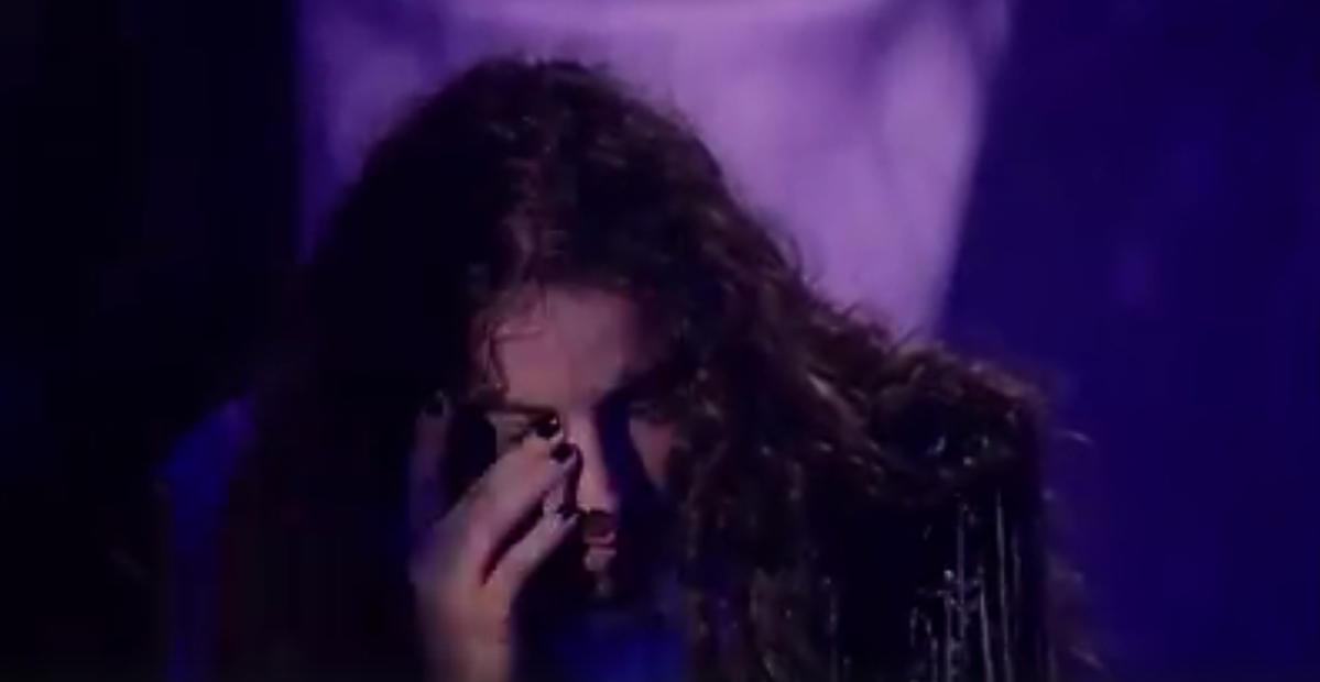 Michał Szpak płacze na roascie