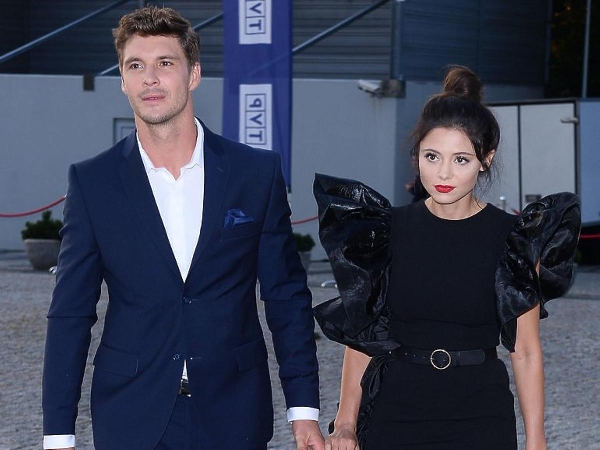 Mikołaj Roznerski i Adriana Kalska- dlaczego nie pojawili się na ramówce TVP?