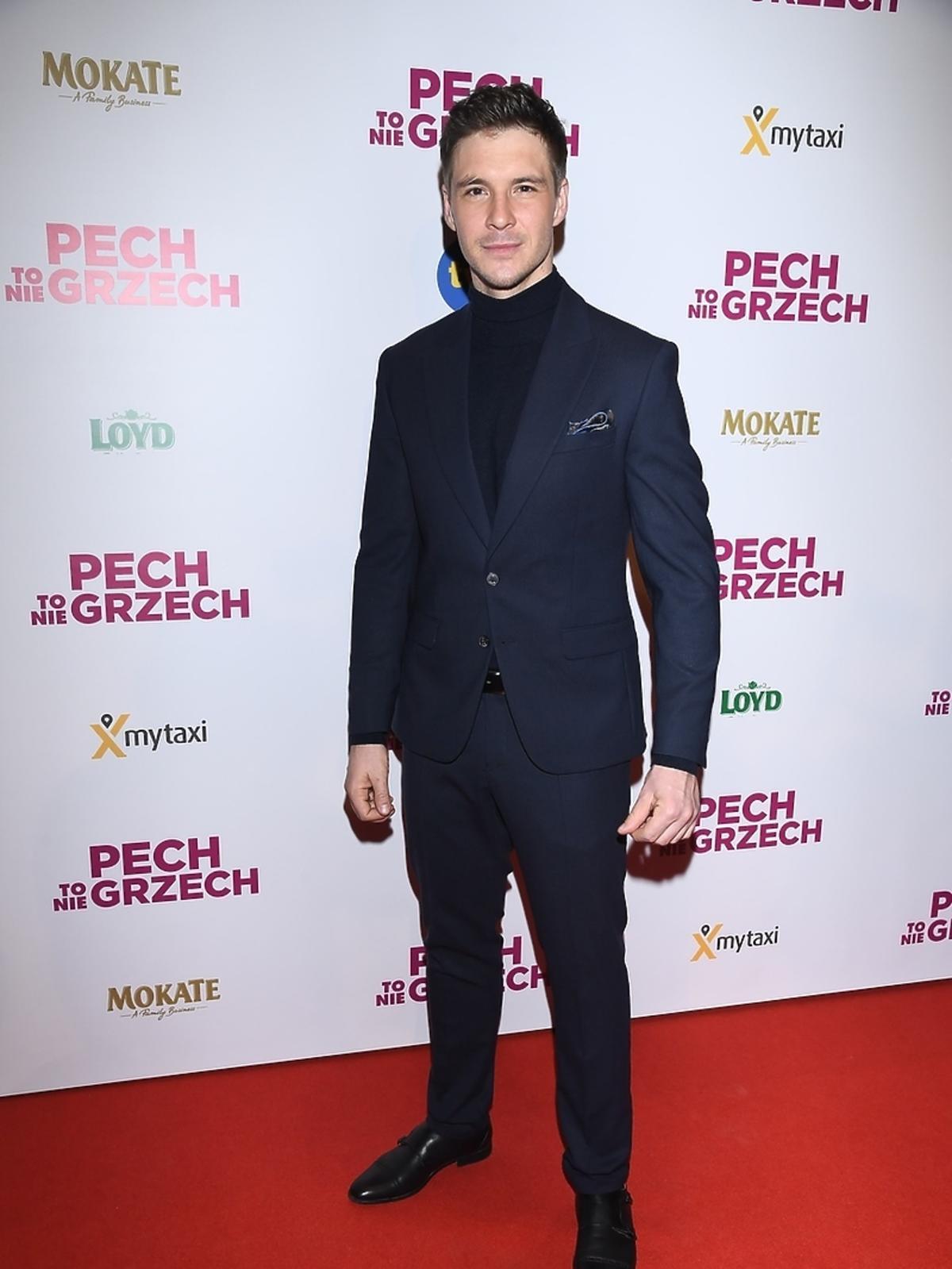 Mikołaj Roznerski na premierze Pech to nie grzech
