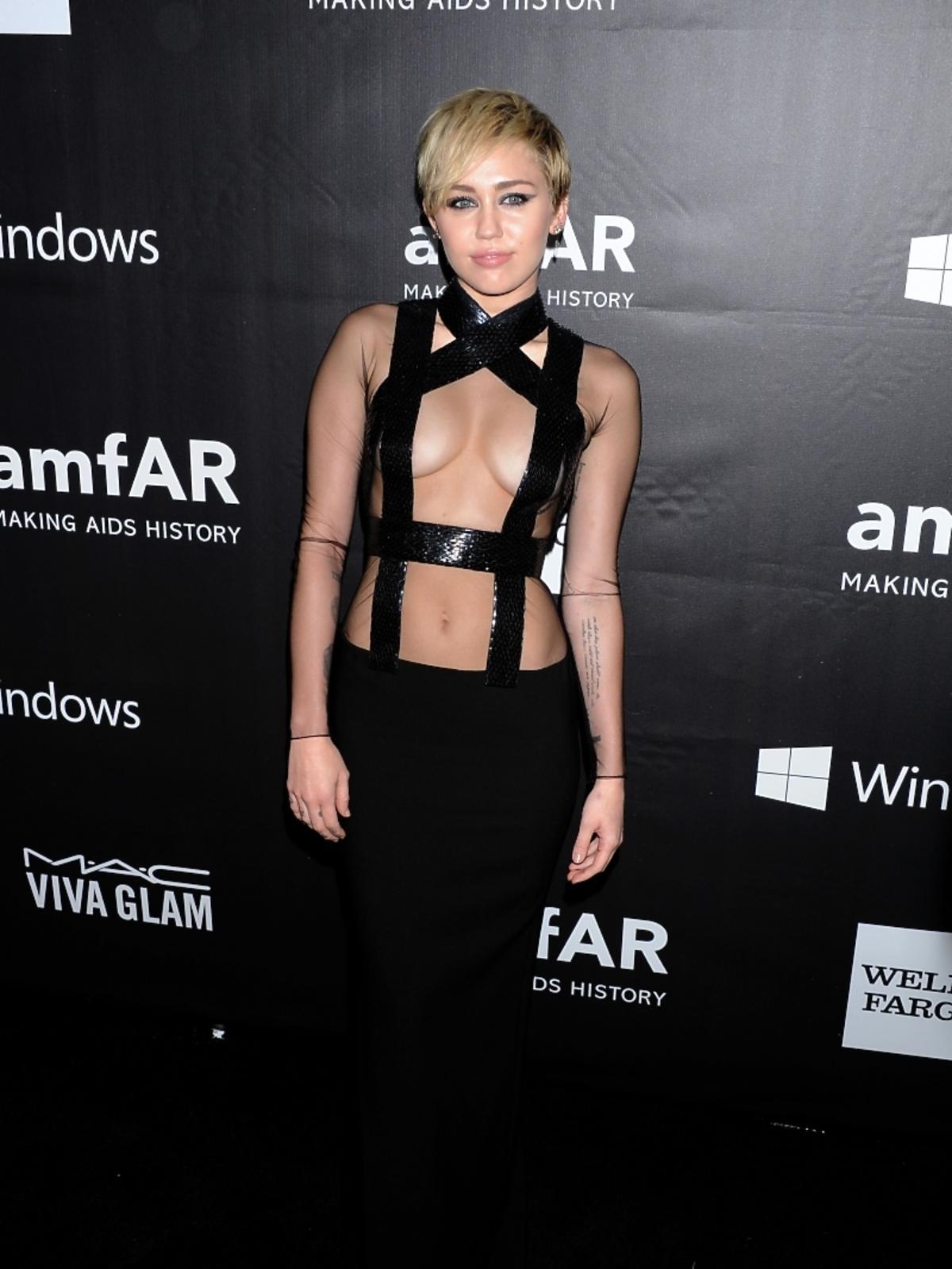 Miley Cyrus na amfAR LA Inspiration Gala 2014