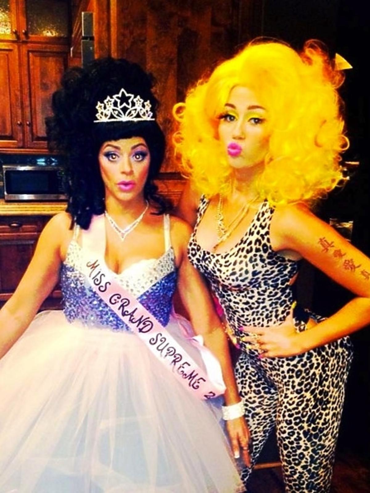 Miley Cyrus na Halloween przebrała się za Nicki Minaj