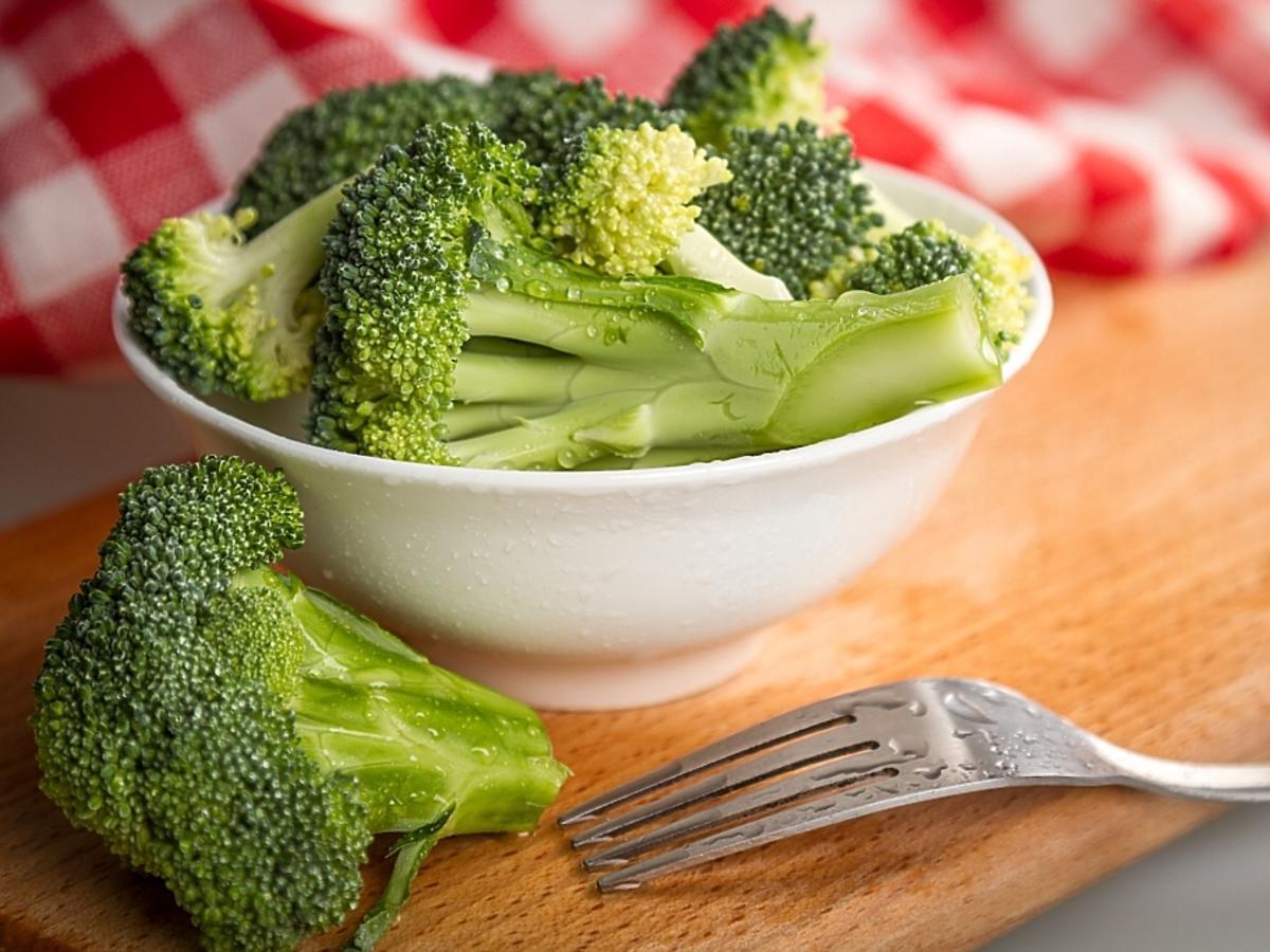 Miseczka brokułów.
