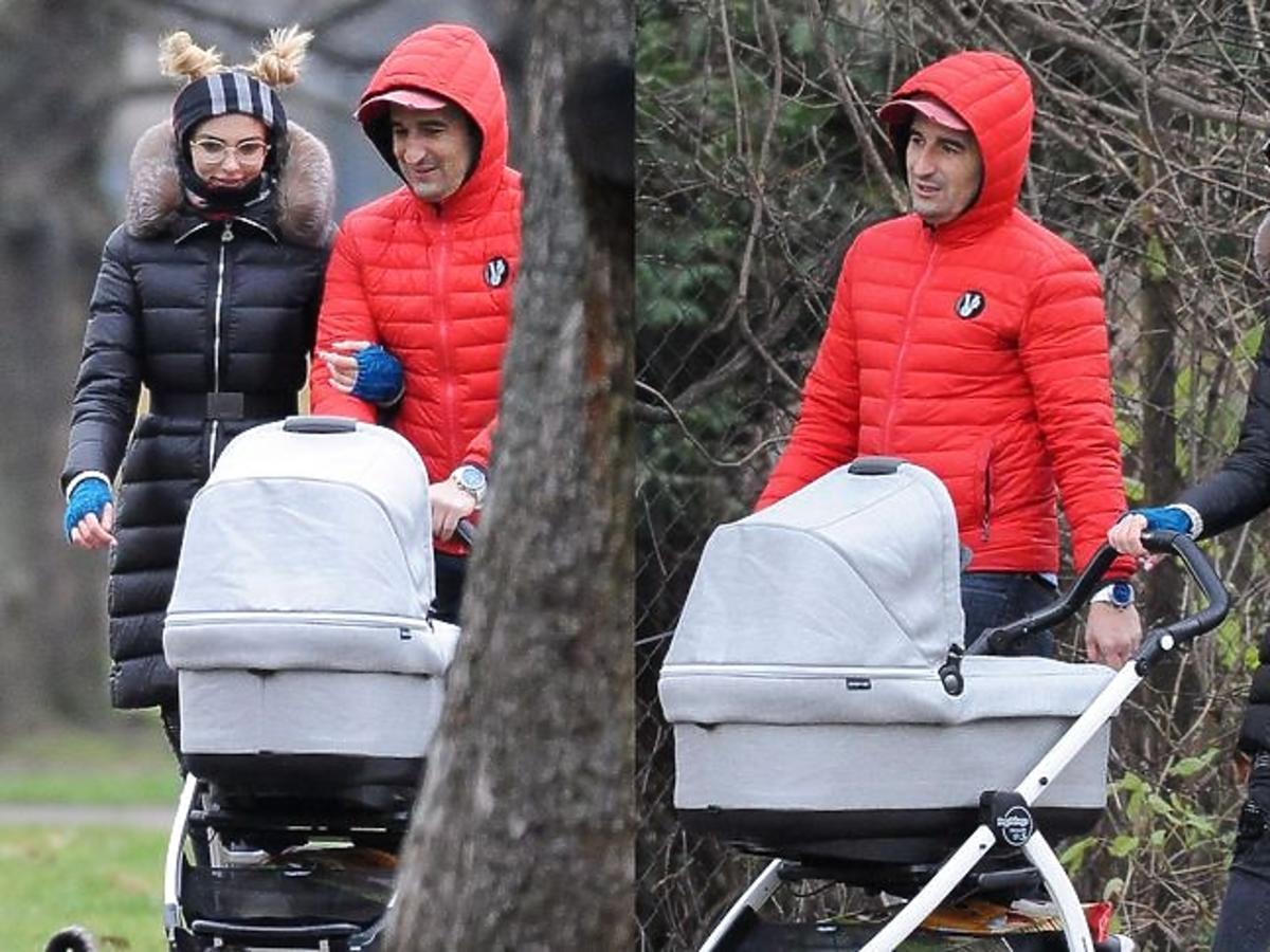 Misiek Koterski i Marcela Leszczak na spacerze z synem