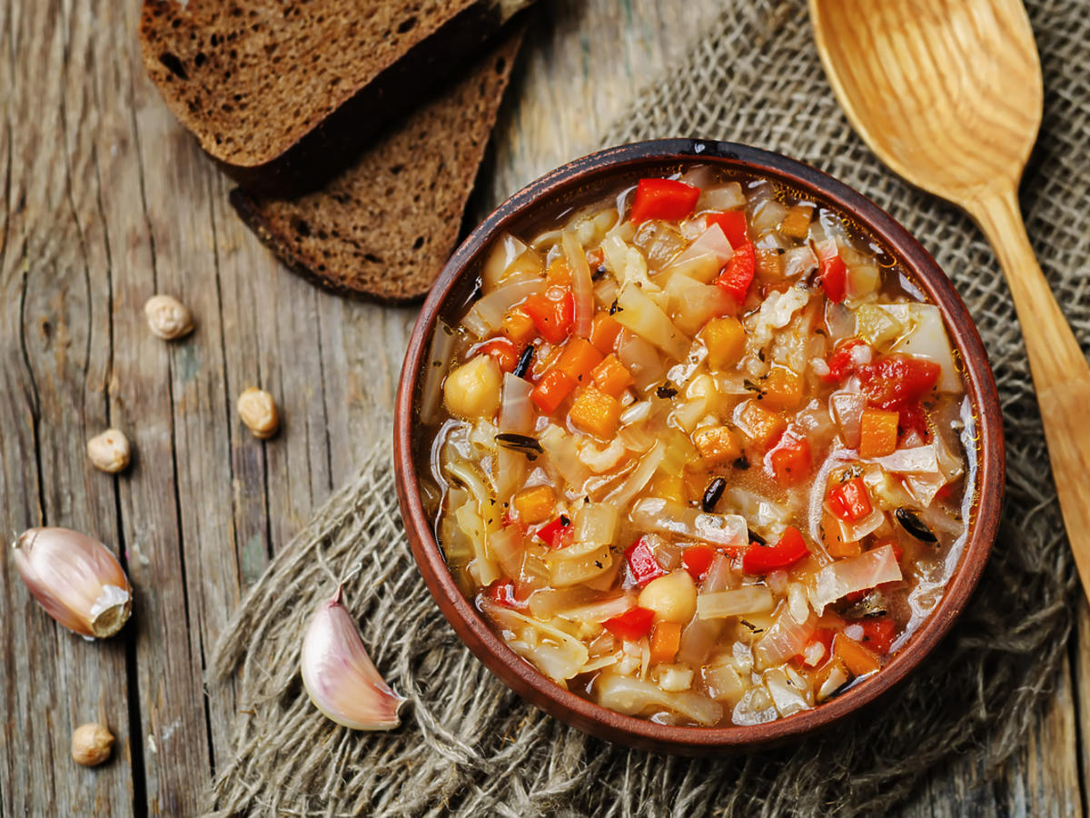 miska zupy kapuścianej