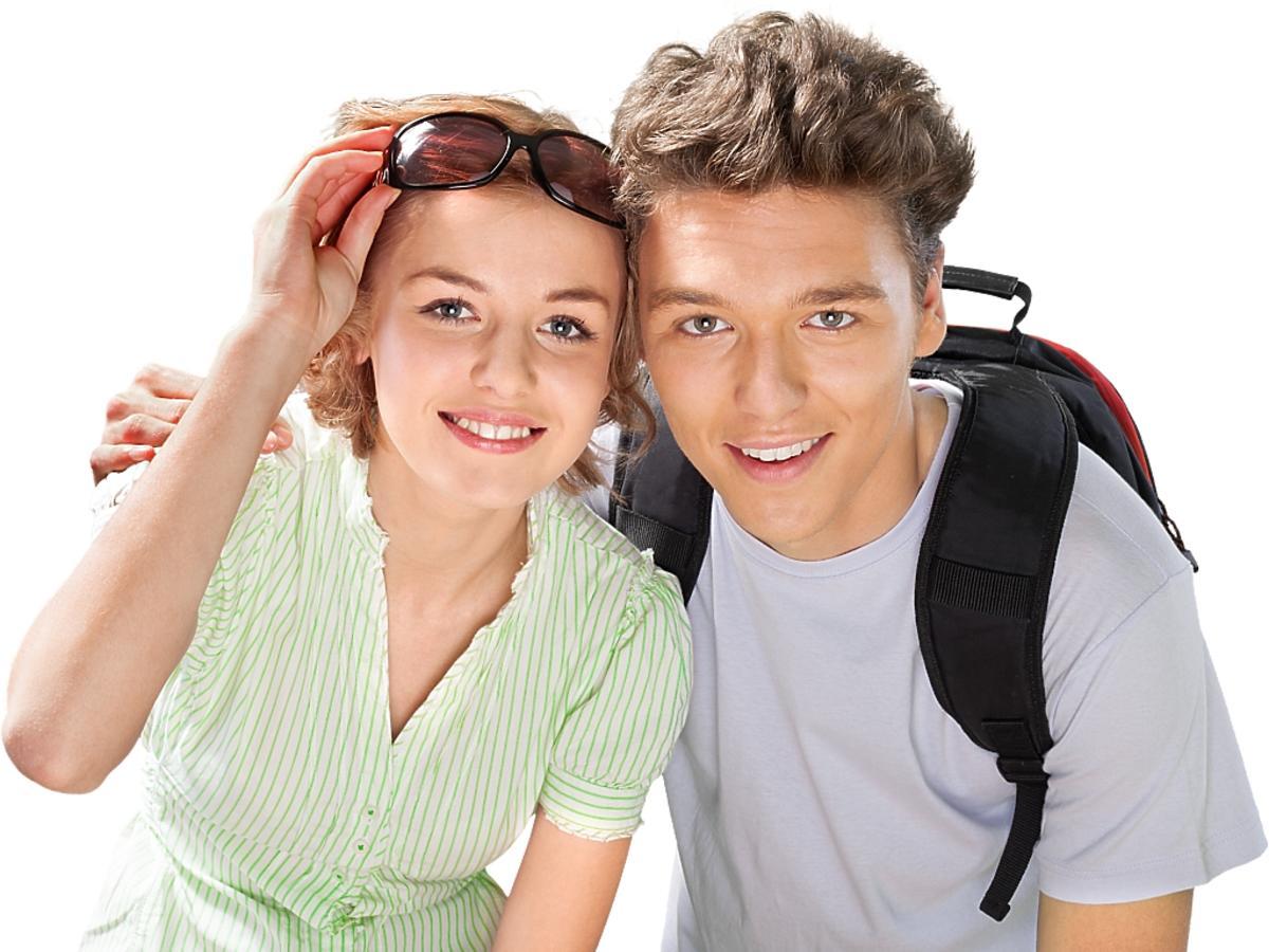 młodzi ludzie na wakacjach