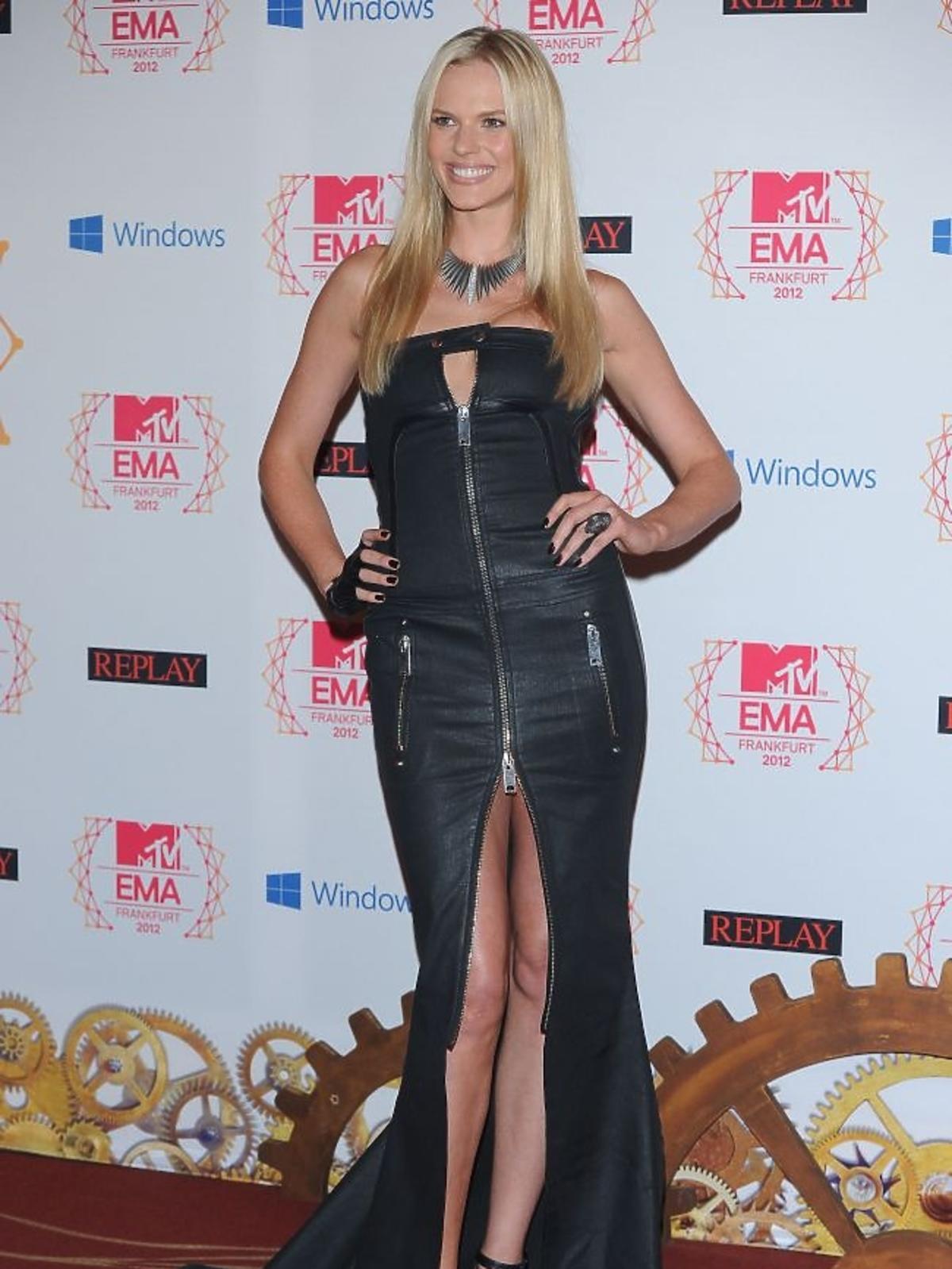 Modekla Anne V na gali MTV EMA 2012