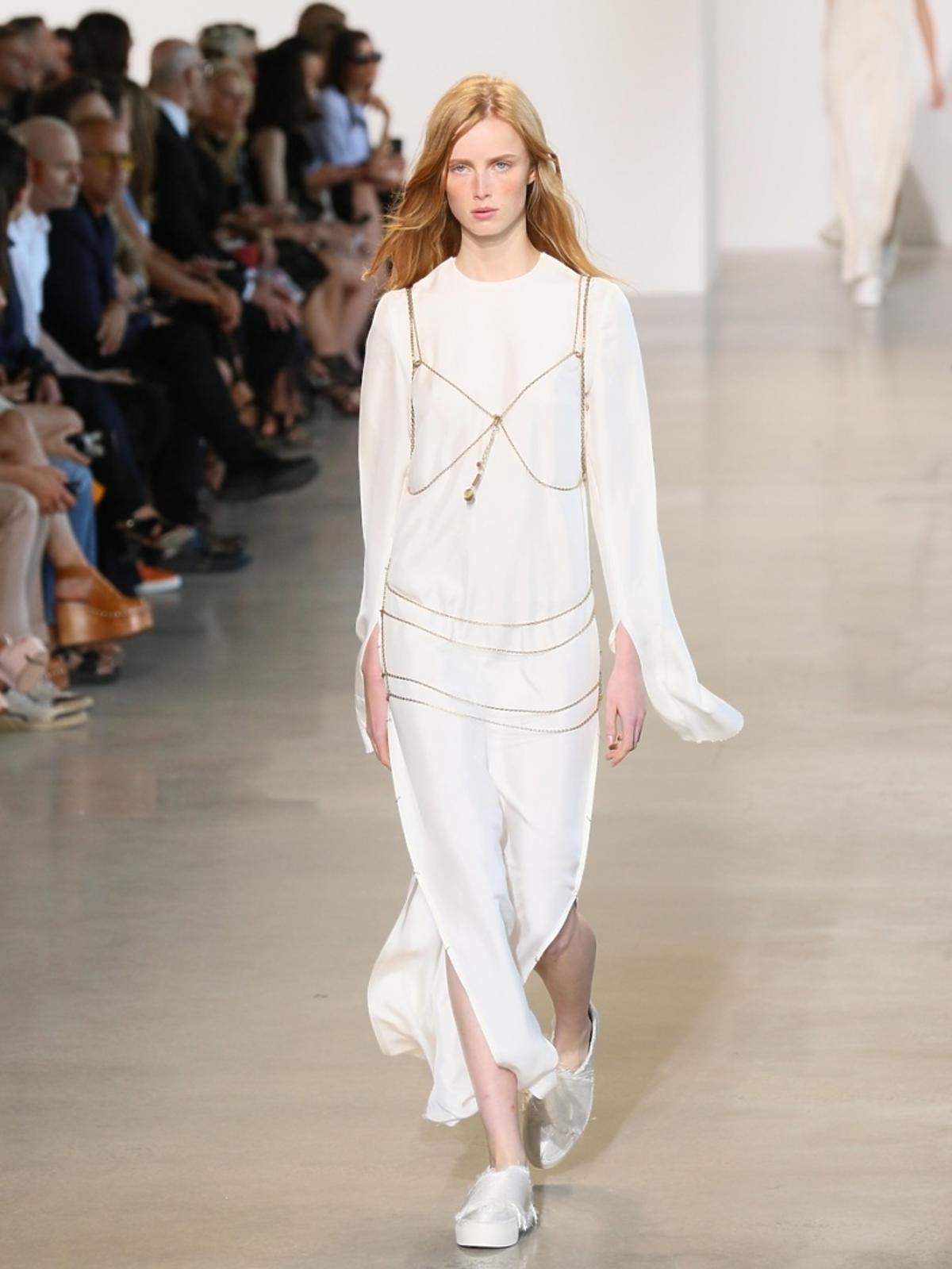 Modelka na pokazie Calvin Klein
