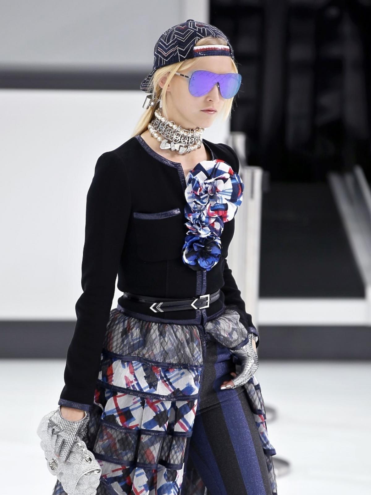Modelka na pokazie Chanel