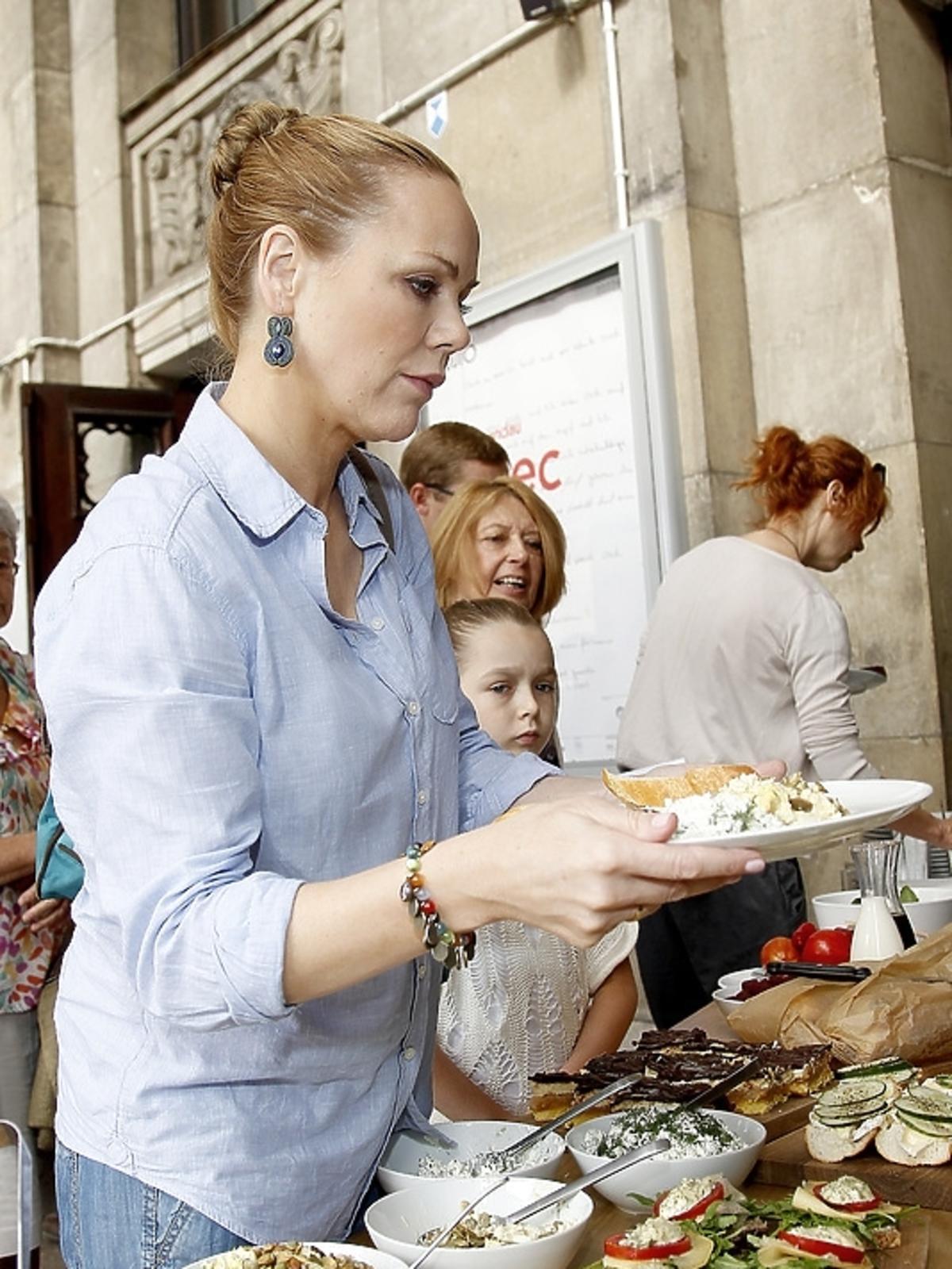 Monika Krzykowska na śniadaniu z aktorami w Teatrze Studio