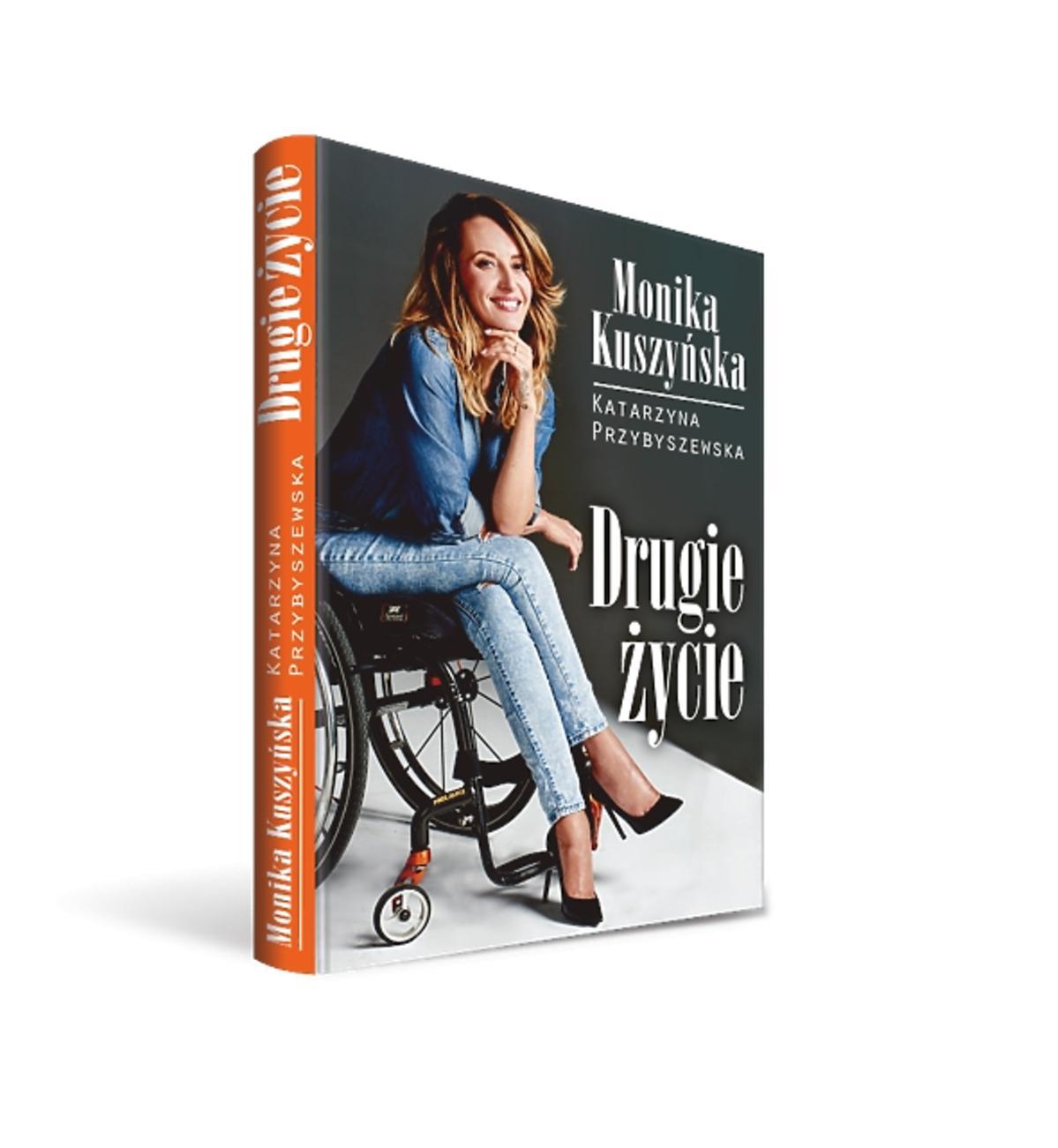 Monika Kuszyńska na okłdce swojej książi Druga szansa